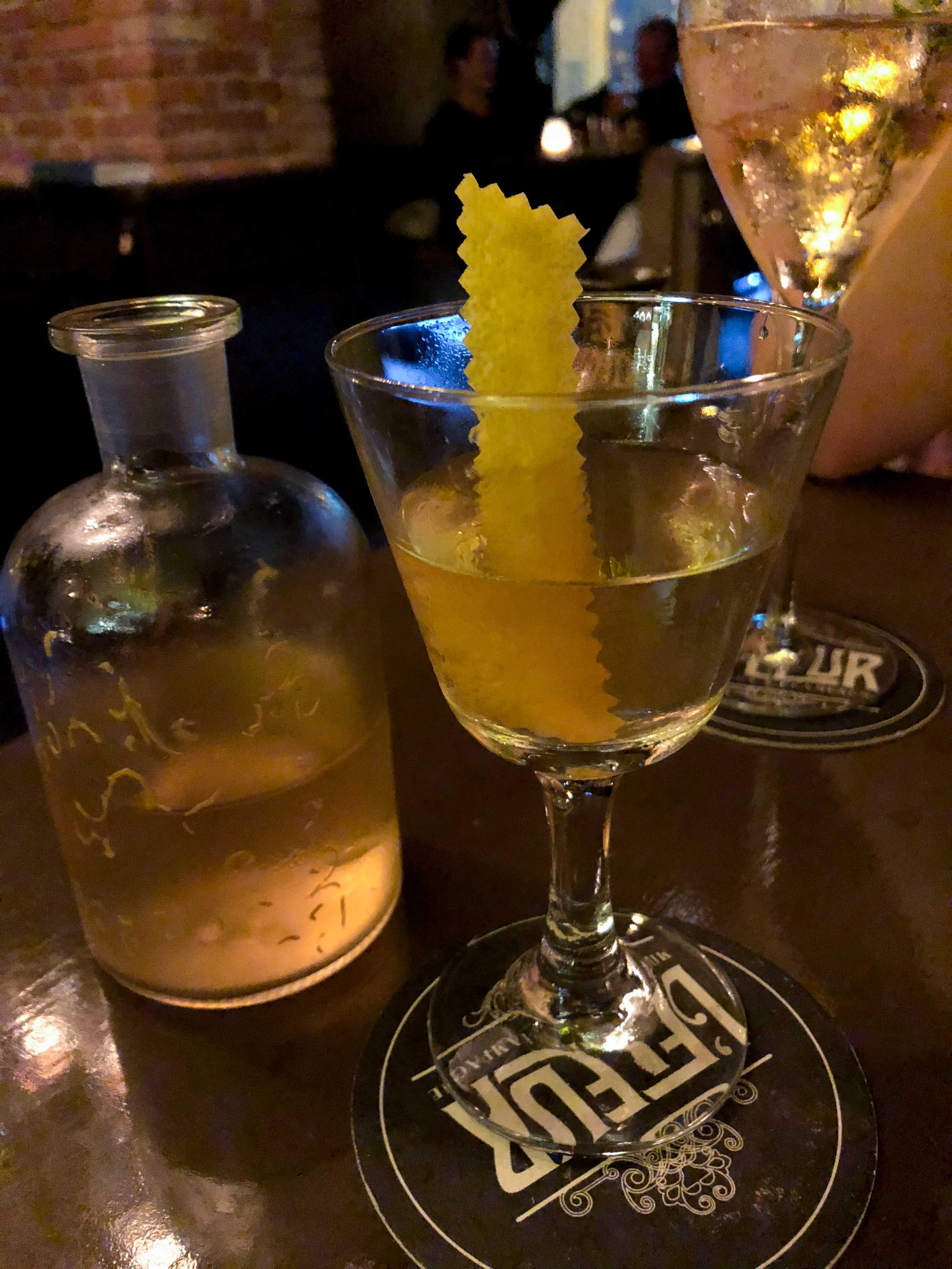 L'Fleur Bar Insider Tipps Prag Tipps besten Bars ausgehen Restaurant Reiseblog Gin Cocktails