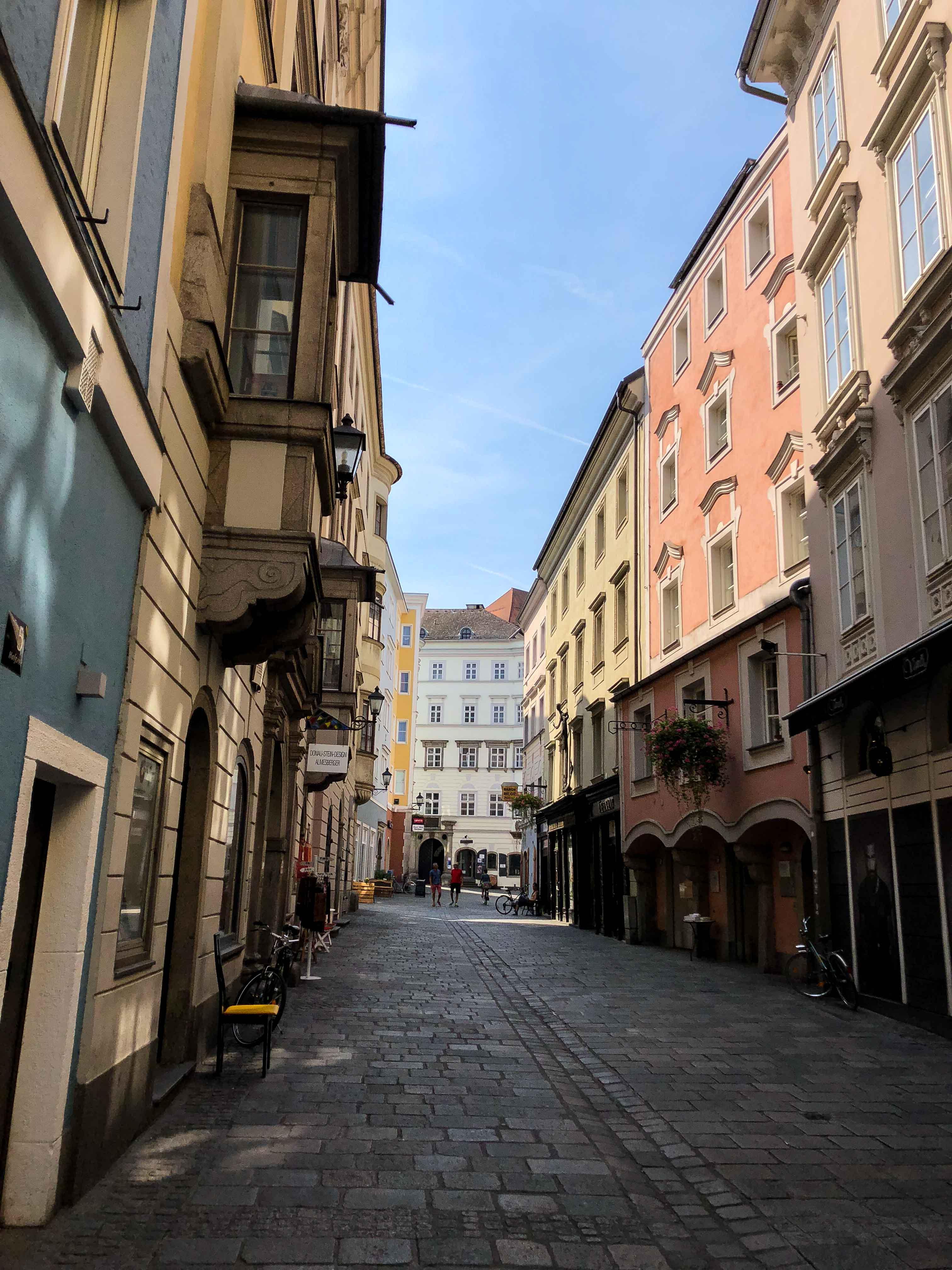 Linz Altstadt Österreich Insider Tipps Sehenswürdigkeiten Donaukreuzfahrt Arosa Reiseblog
