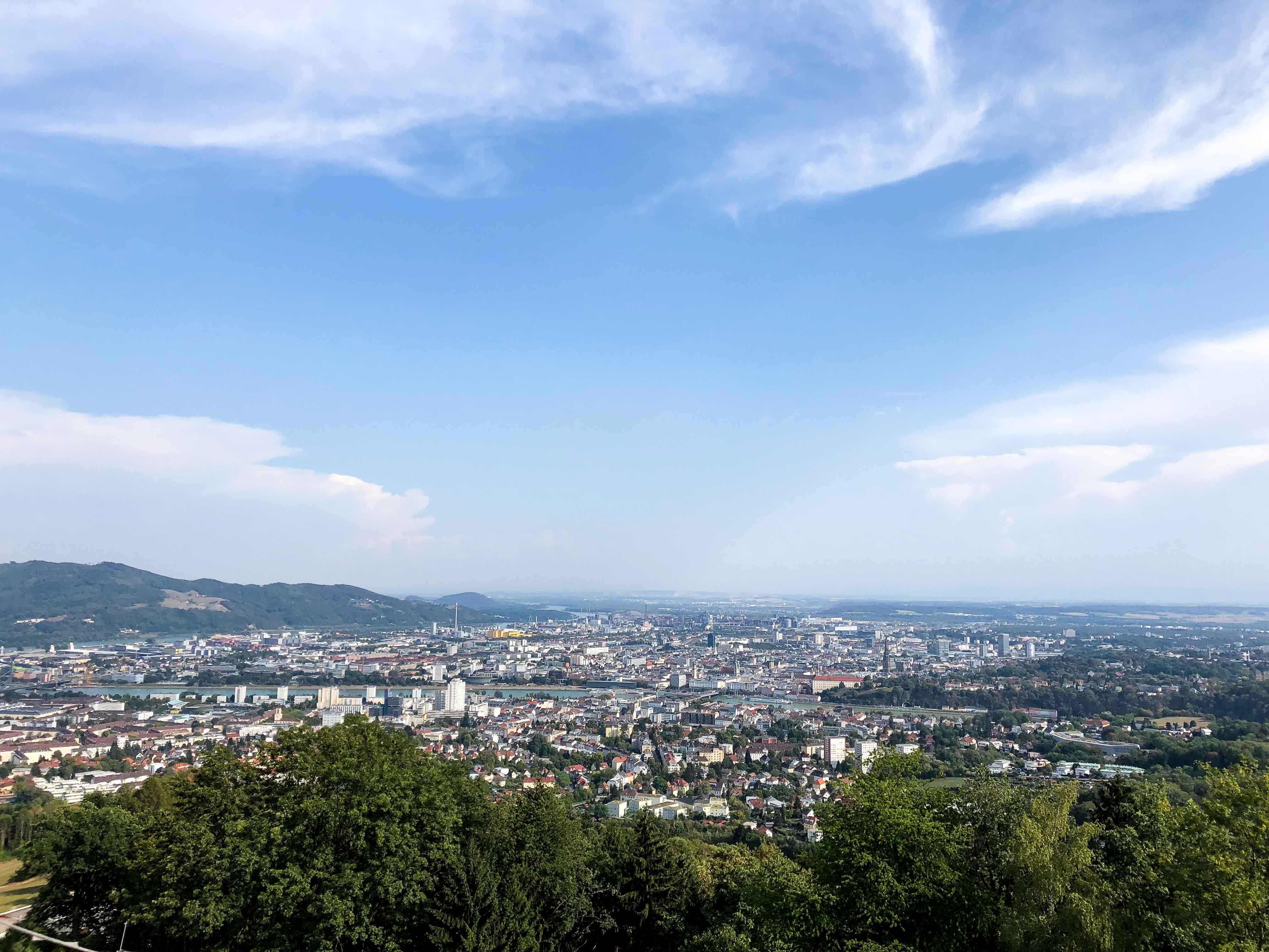 Linz Ausblick Pöstlingberg Österreich Insider Tipps Sehenswürdigkeiten Donaukreuzfahrt Arosa Reiseblog