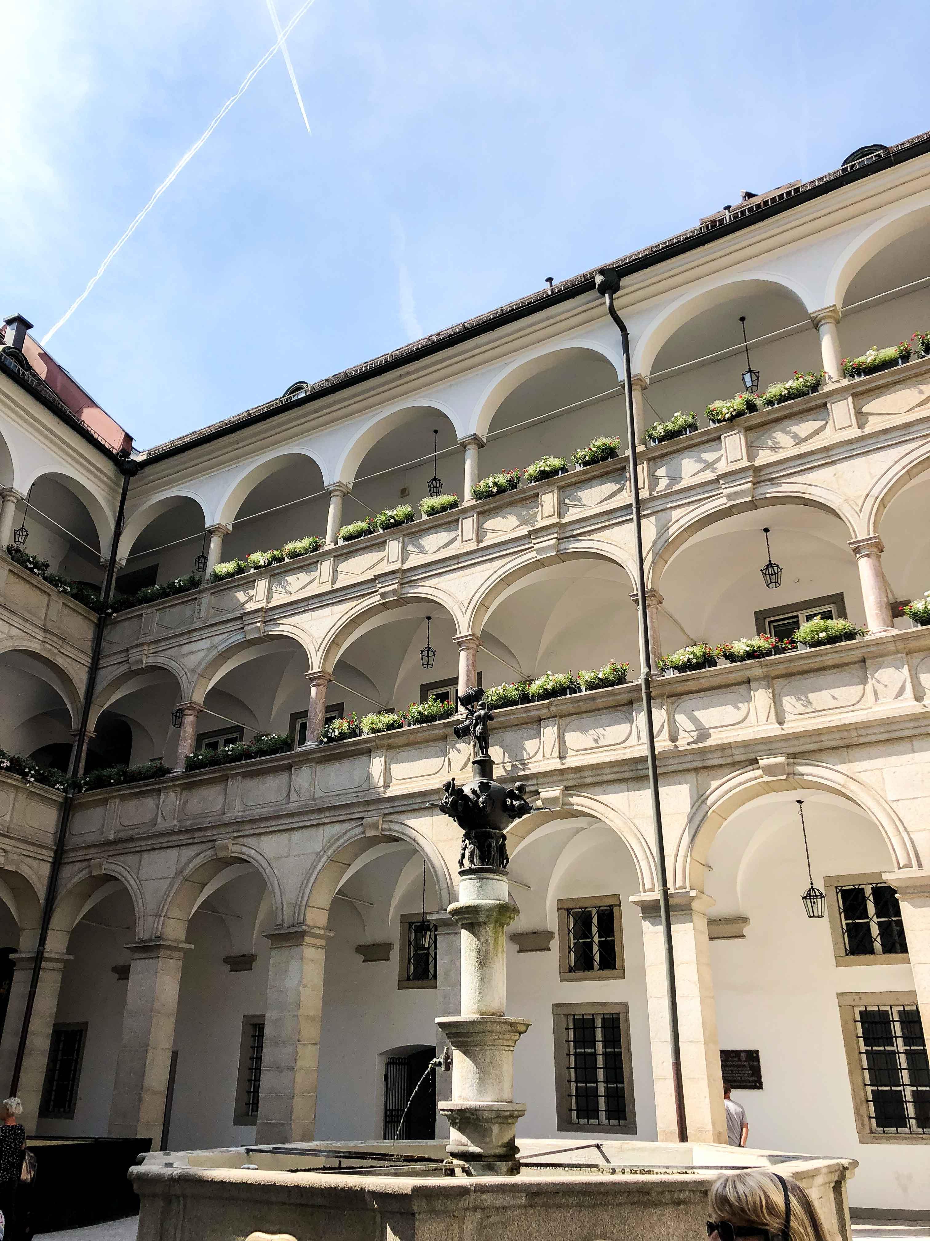 Linz Mozarthaus Österreich Insider Tipps Sehenswürdigkeiten Donaukreuzfahrt Arosa Reiseblog 3