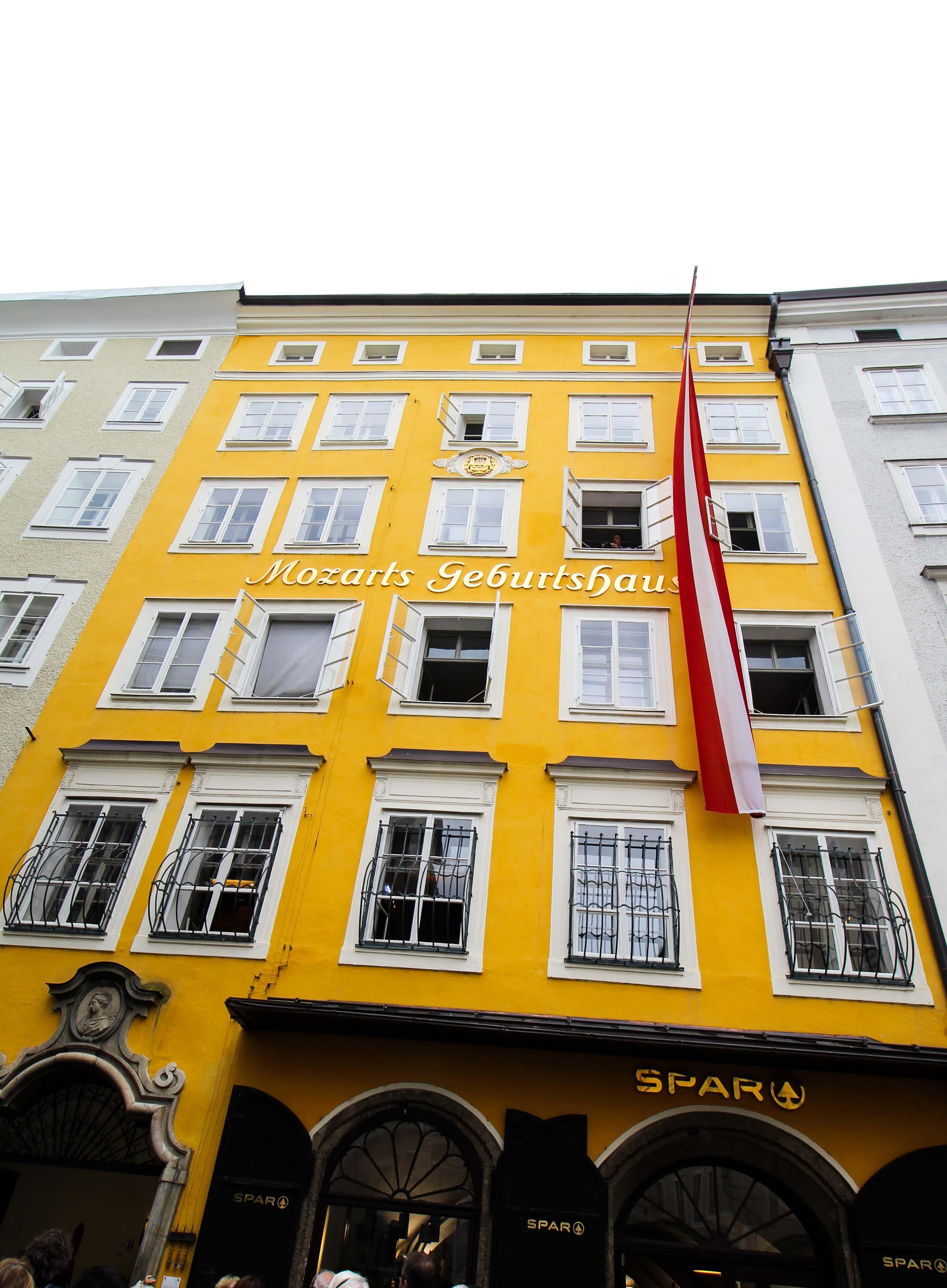 Mozarts Geburtshaus Salzburg Österreich Insider Tipps Sehenswürdigkeiten Donaukreuzfahrt Arosa Reiseblog