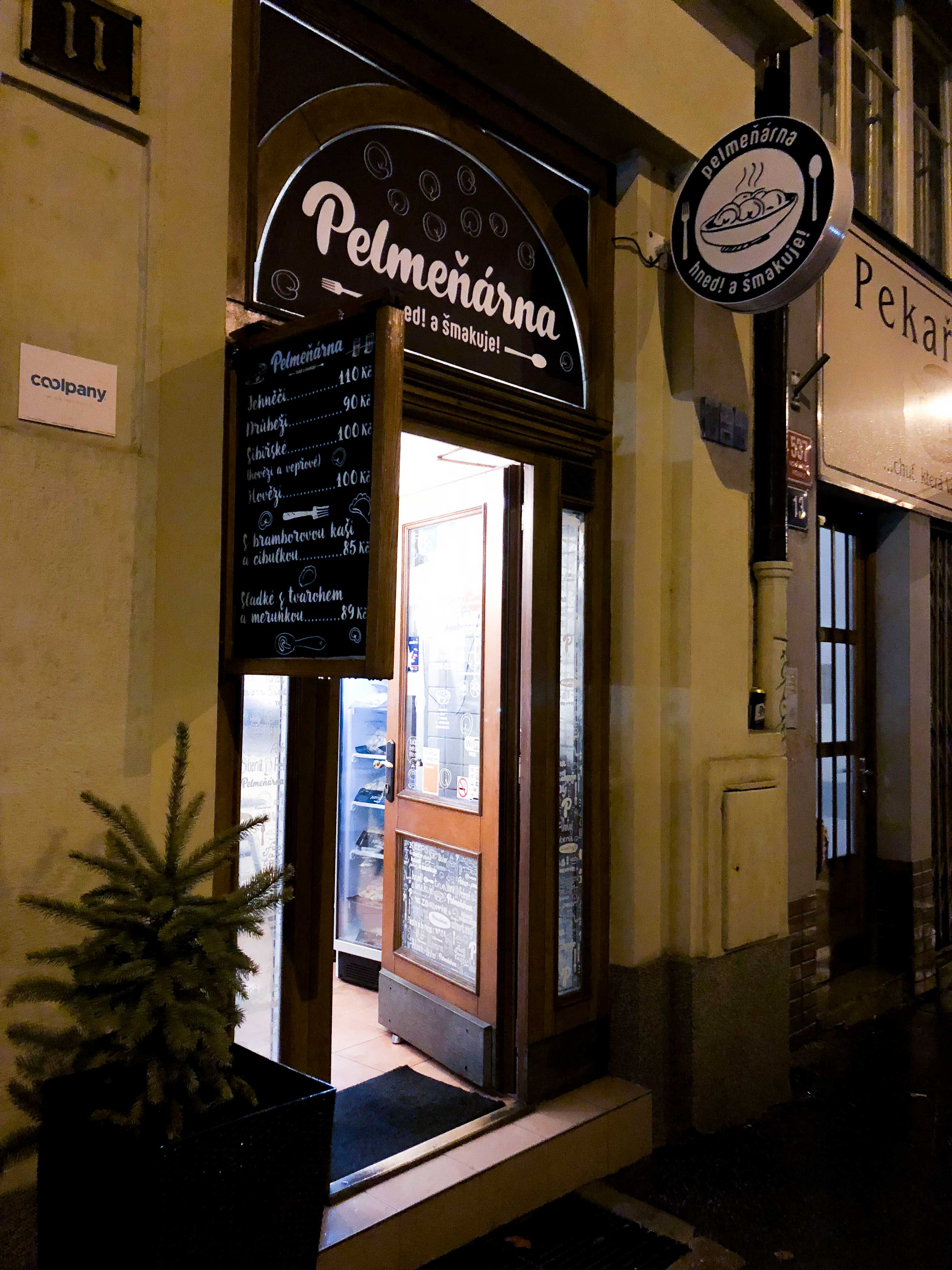 Pelmeneria Pelmeňárna Teigtaschen Restaurant Insider Tipps Prag Food Tipps besten Restaurants Reiseblog Pelmeni Prague