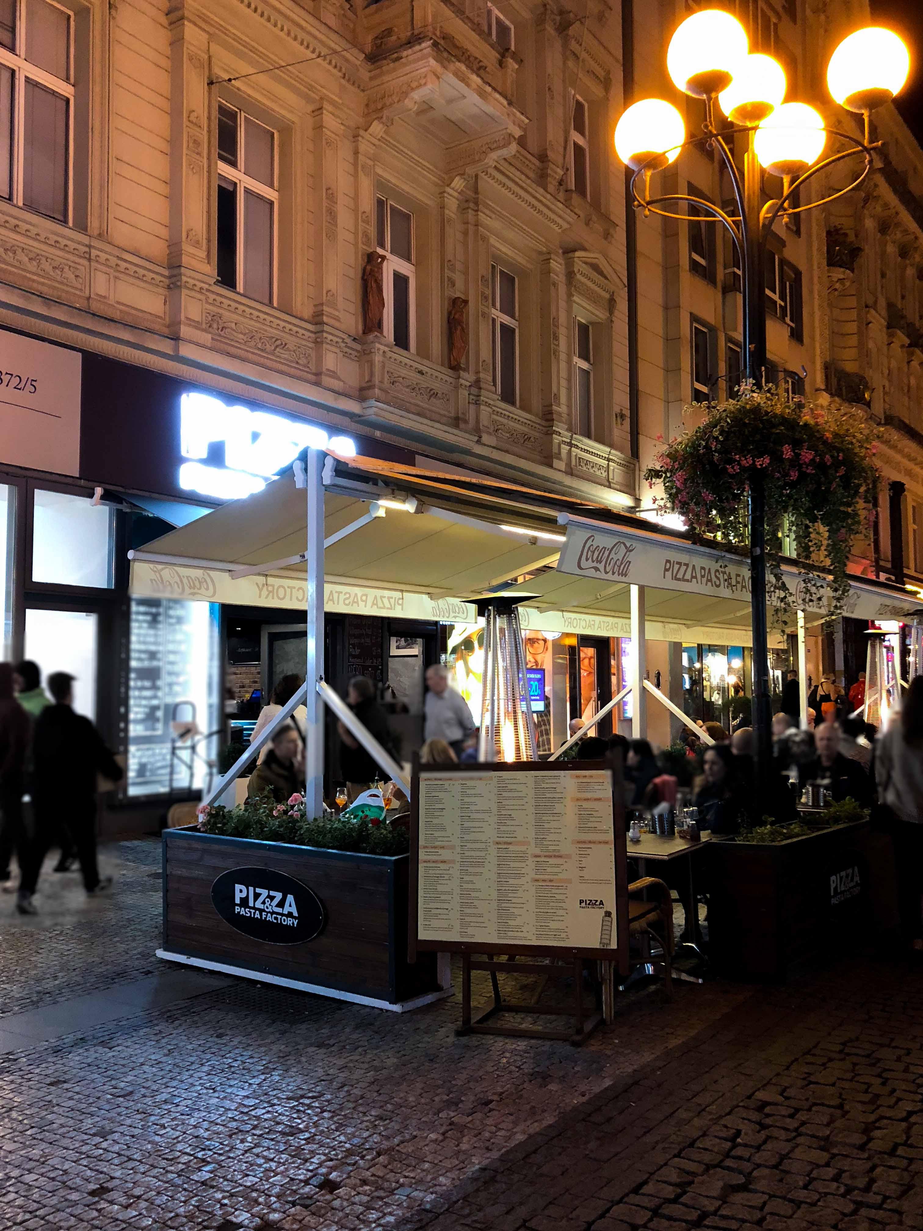 Pizza Pasta Factory italienisch Essen Restaurant Italiener Insider Tipps Prag Food Tipps besten Restaurants Reiseblog
