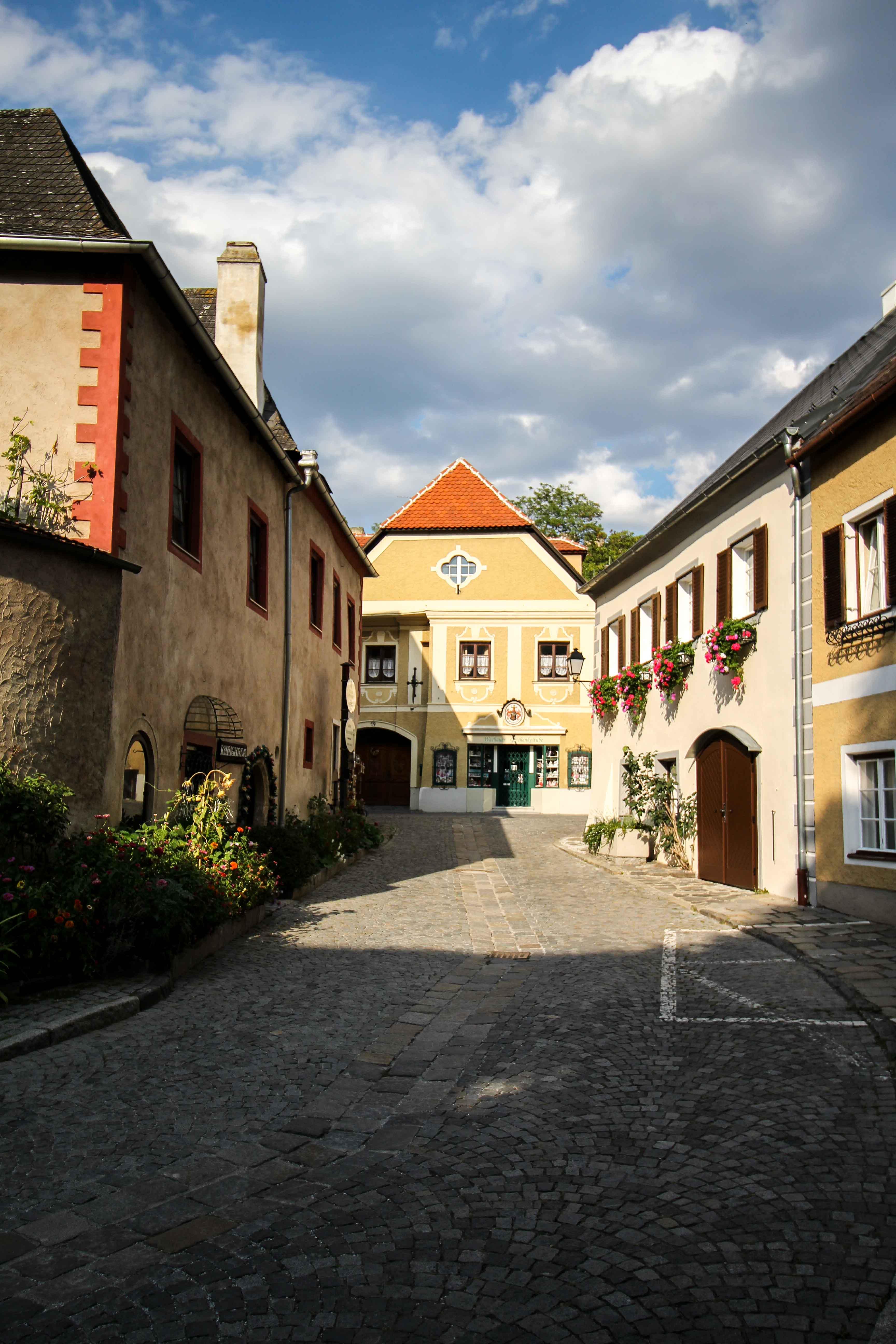 Wachau Österreich Dürnstein Weinregion Insider Tipps Sehenswürdigkeiten Straßen Donaukreuzfahrt Arosa