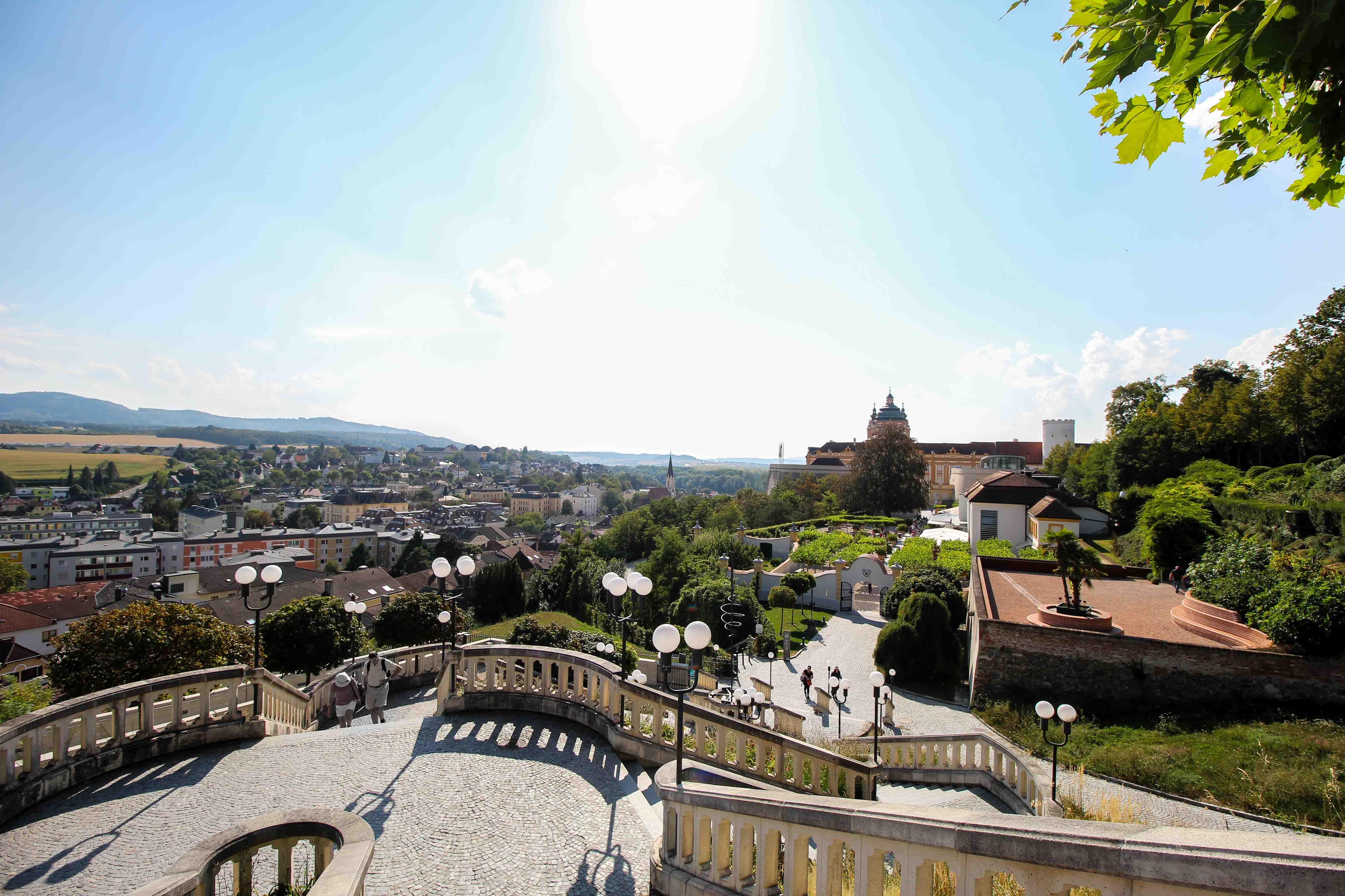 Wachau Österreich Melk Stift Melk Benediktinerkloster Treppe Insider Tipps Sehenswürdigkeiten Donaukreuzfahrt Arosa Reiseblog