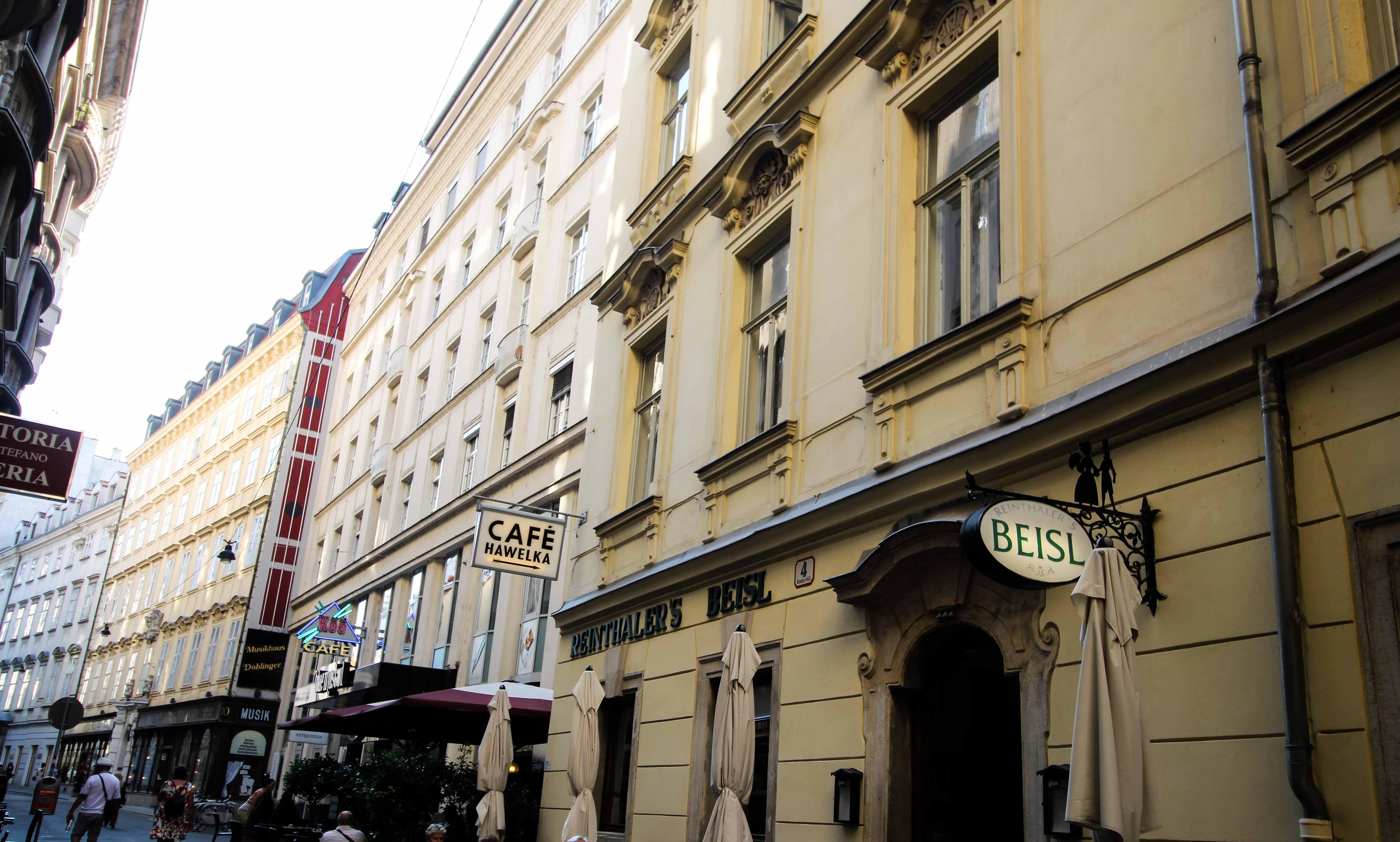 Wien Insider Tipps Sehenswürdigkeiten Wien Innenstadt Essen gehen Restaurant Beisl Wien Vienna Donaukreuzfahrt Arosa