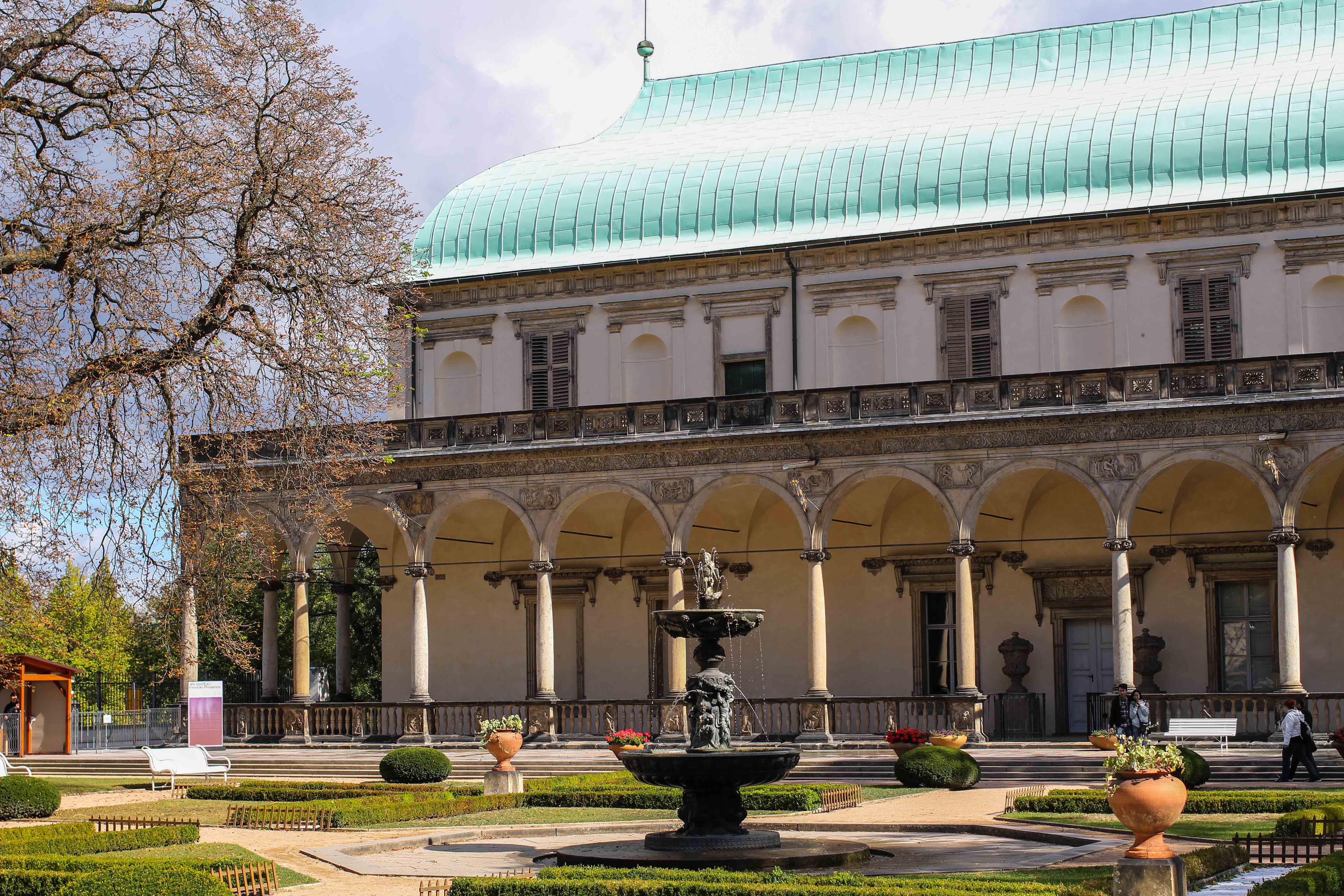 Top 10 Tipps Kurztrip Prag Lustschloss Königin Anna Sehenswürdigkeiten Prag Insidertipps Reiseblog