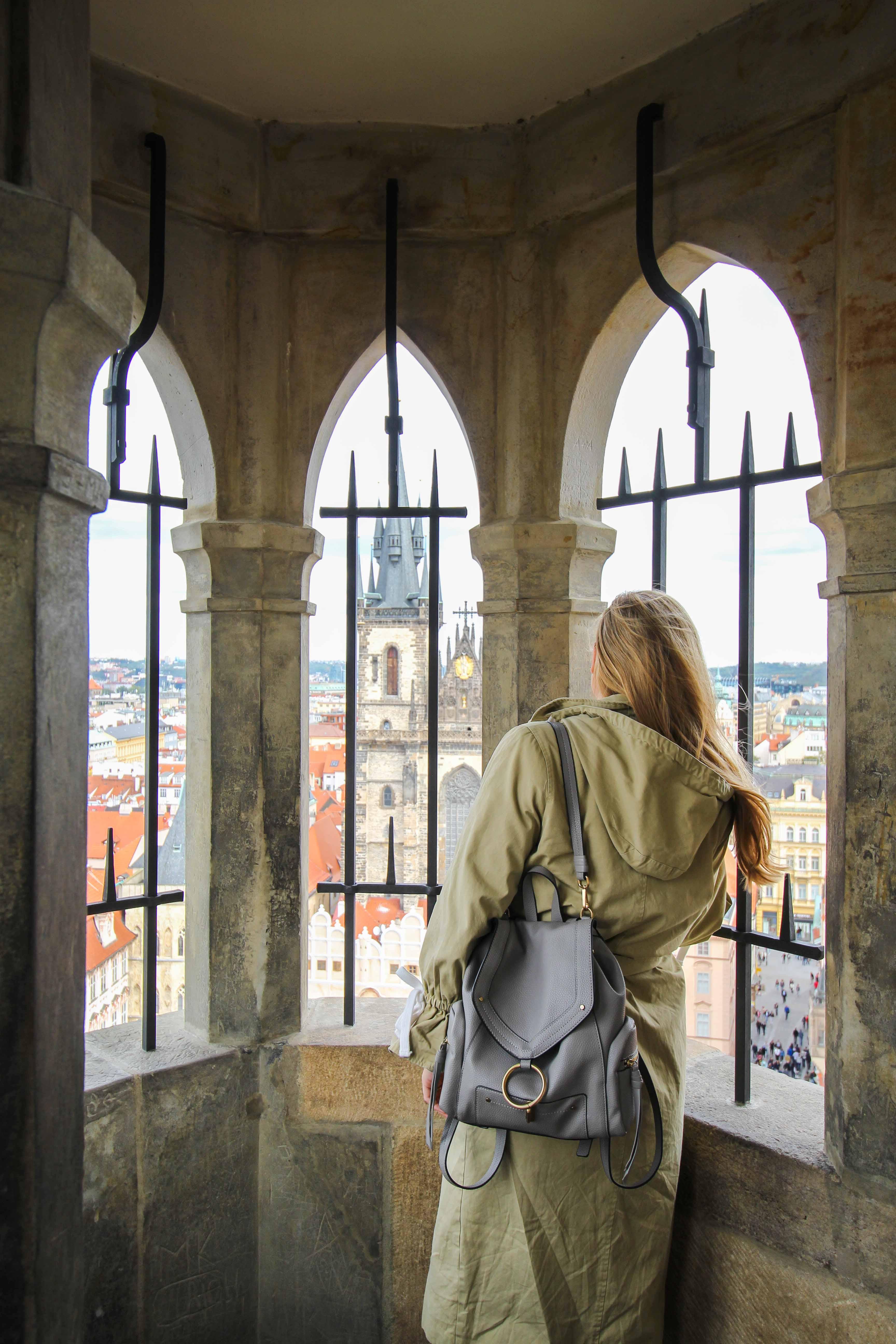 Top 10 Tipps Kurztrip Prag altes Rathaus Rathausturm Ausblick Sehenswürdigkeiten Prag Insidertipps Reiseblog Brinisfashionbook