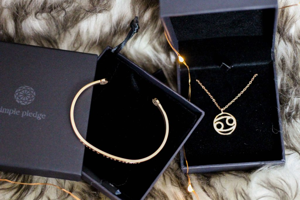 Blogger Adventskalender simple pledge Schmuck individualisieren Halskette Sternzeichen Armreif Blogger Deutschland 4