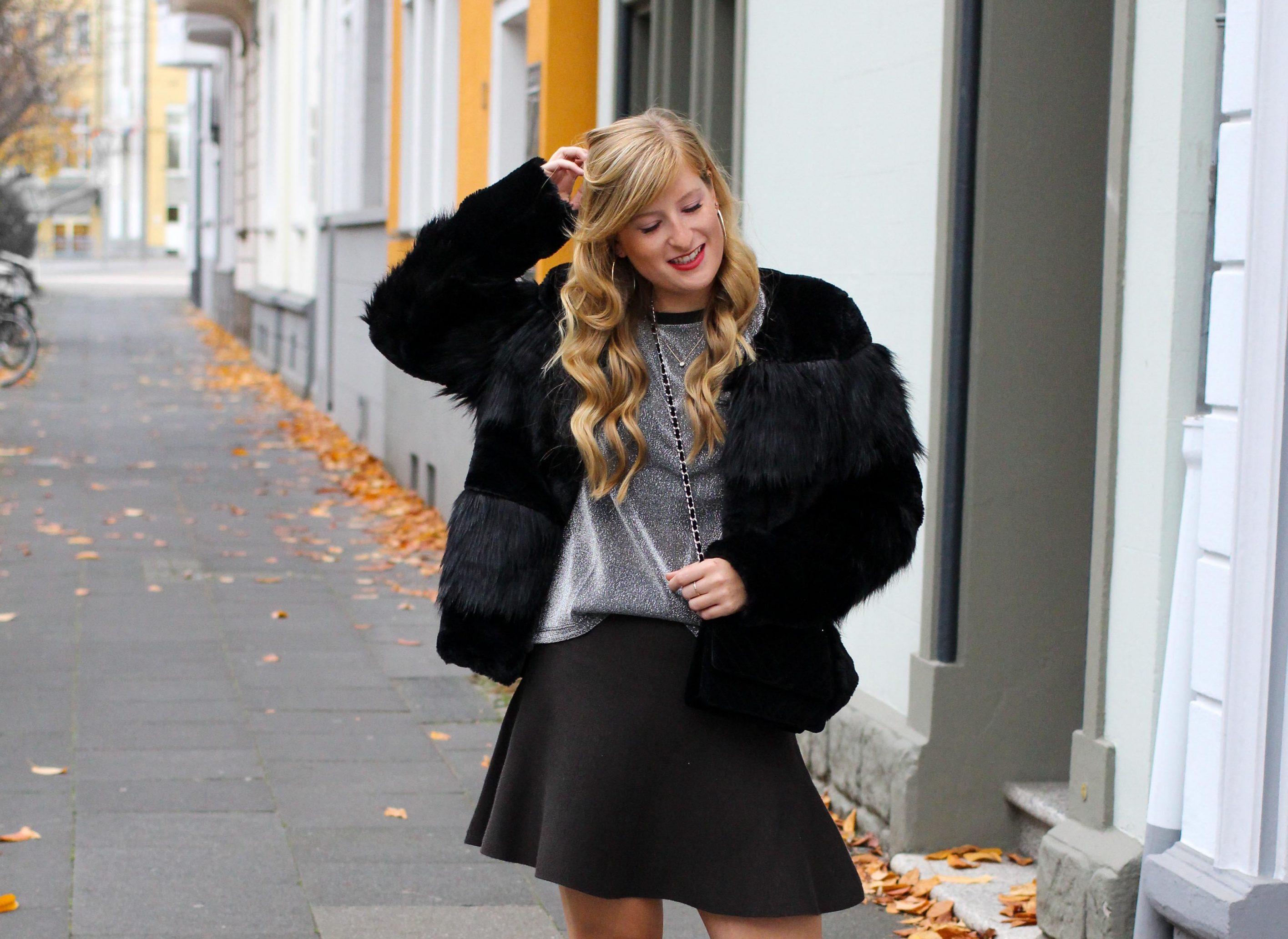 Silvester Outfit 2018 2019 casual chick Glitzershirt Kunstfelljacke Vero Moda Partycollection Modeblog bonn