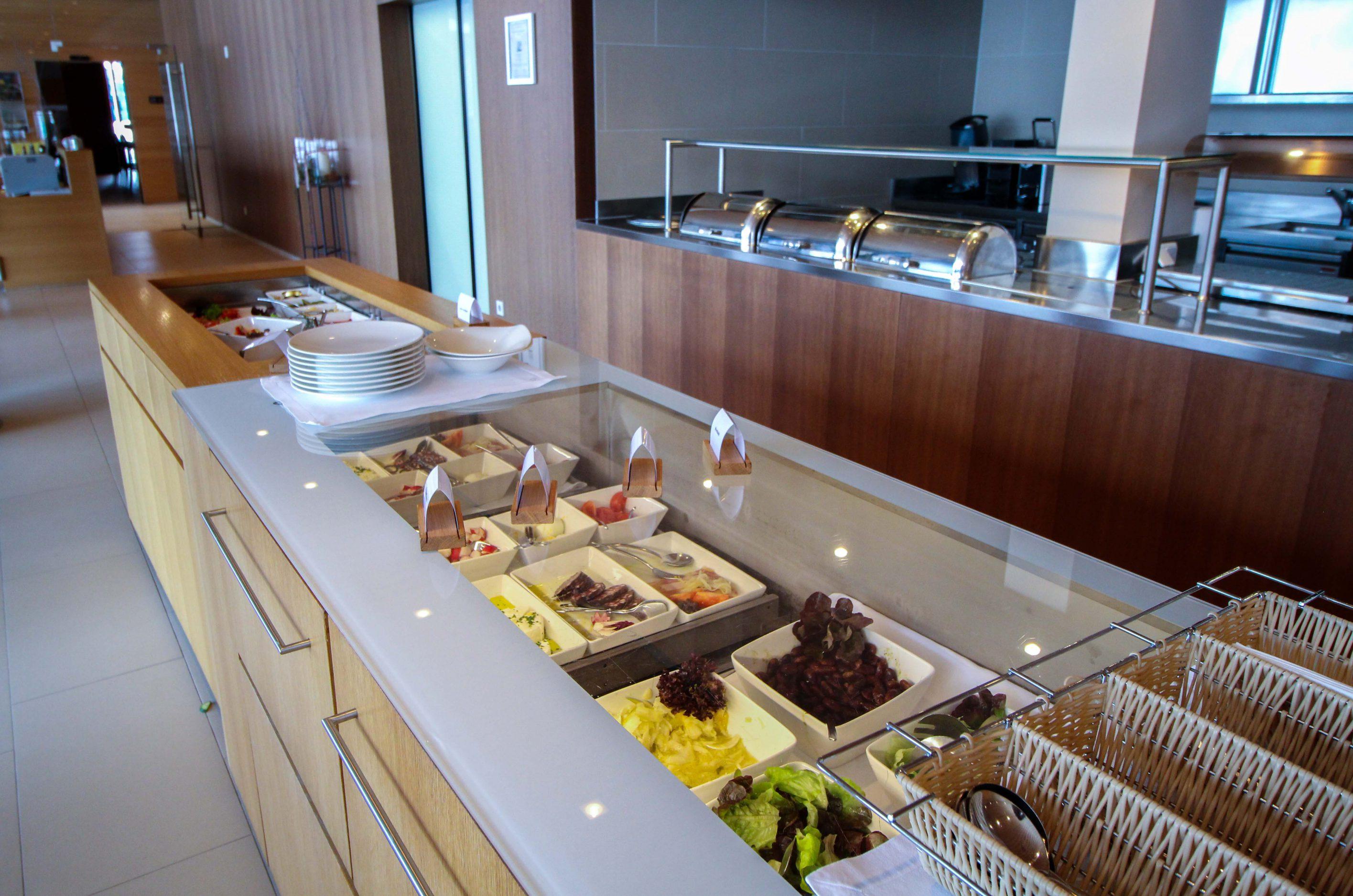Wellnesswochenende Österreich Sonne Lifestyle Resort Mellau Wellnesshotel Bregenzerwald Gourmetpension Mittagsbuffet Reiseblog