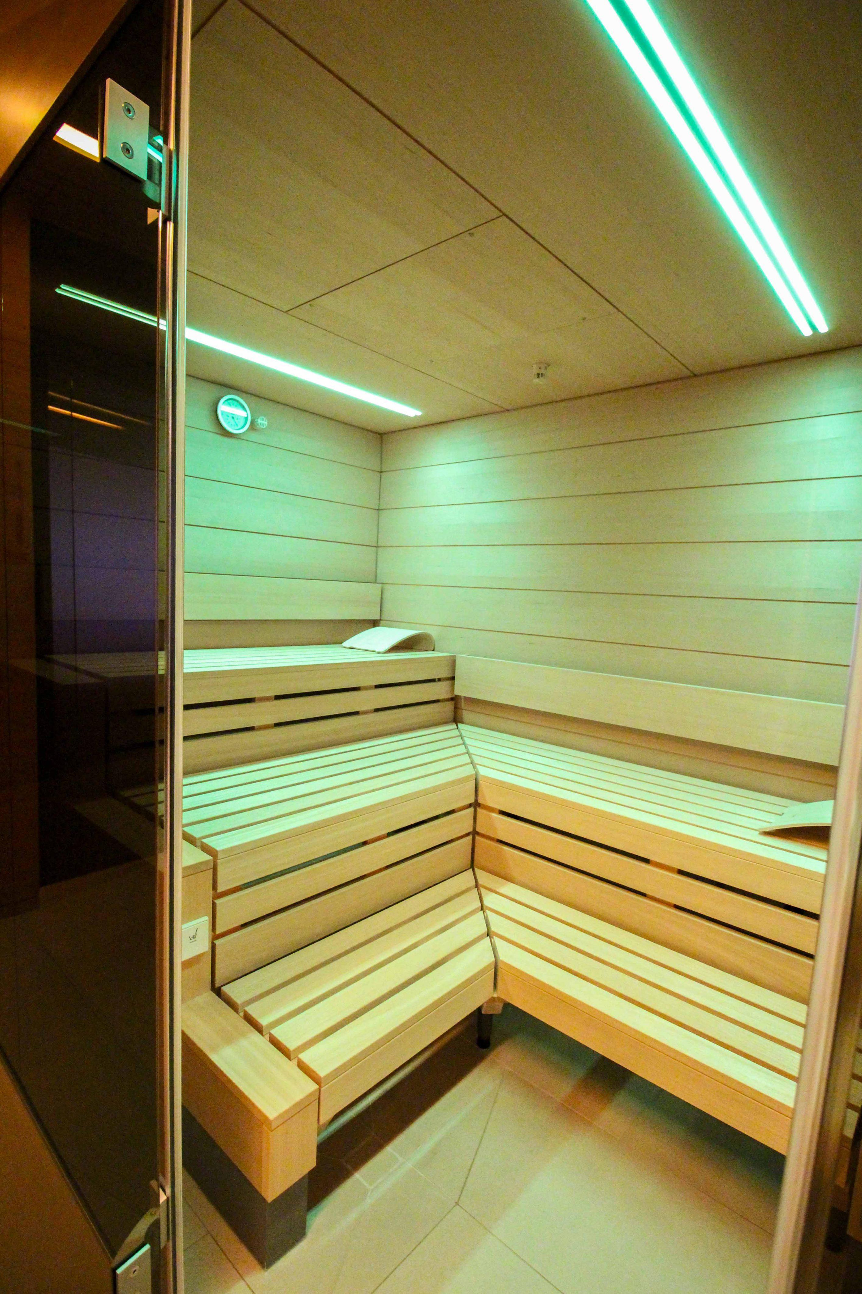 Wellnesswochenende Österreich Sonne Lifestyle Resort Mellau Wellnesshotel Bregenzerwald Wellnessbereich Sauna Reiseblog
