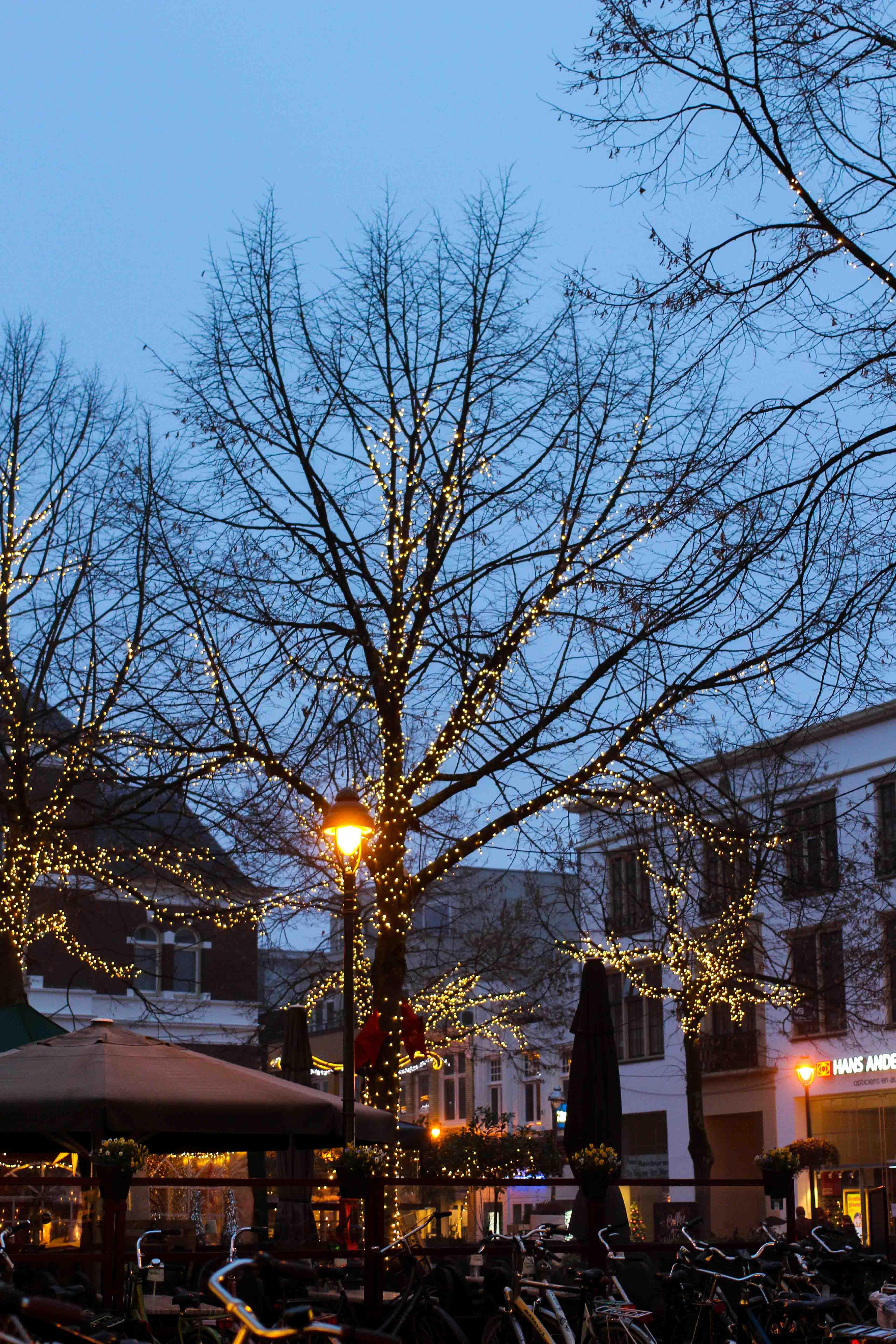 Wochenendtrip das andere Holland Kurztrip Apeldoorn Winterfair Holzbuden Ausflugsziel Holland Winterbeleuchtung