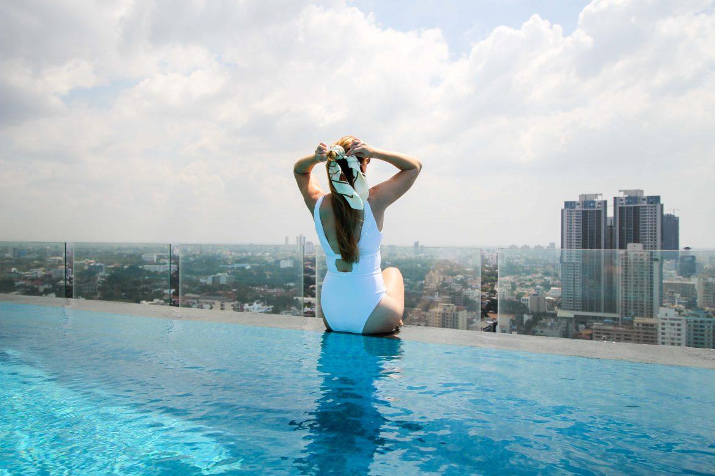 Mövenpick Colombo Hotel Reiseblog Brinisfashionbook Infinity Pool Skyline Colombo bestes Hotel Sri Lanka Reise