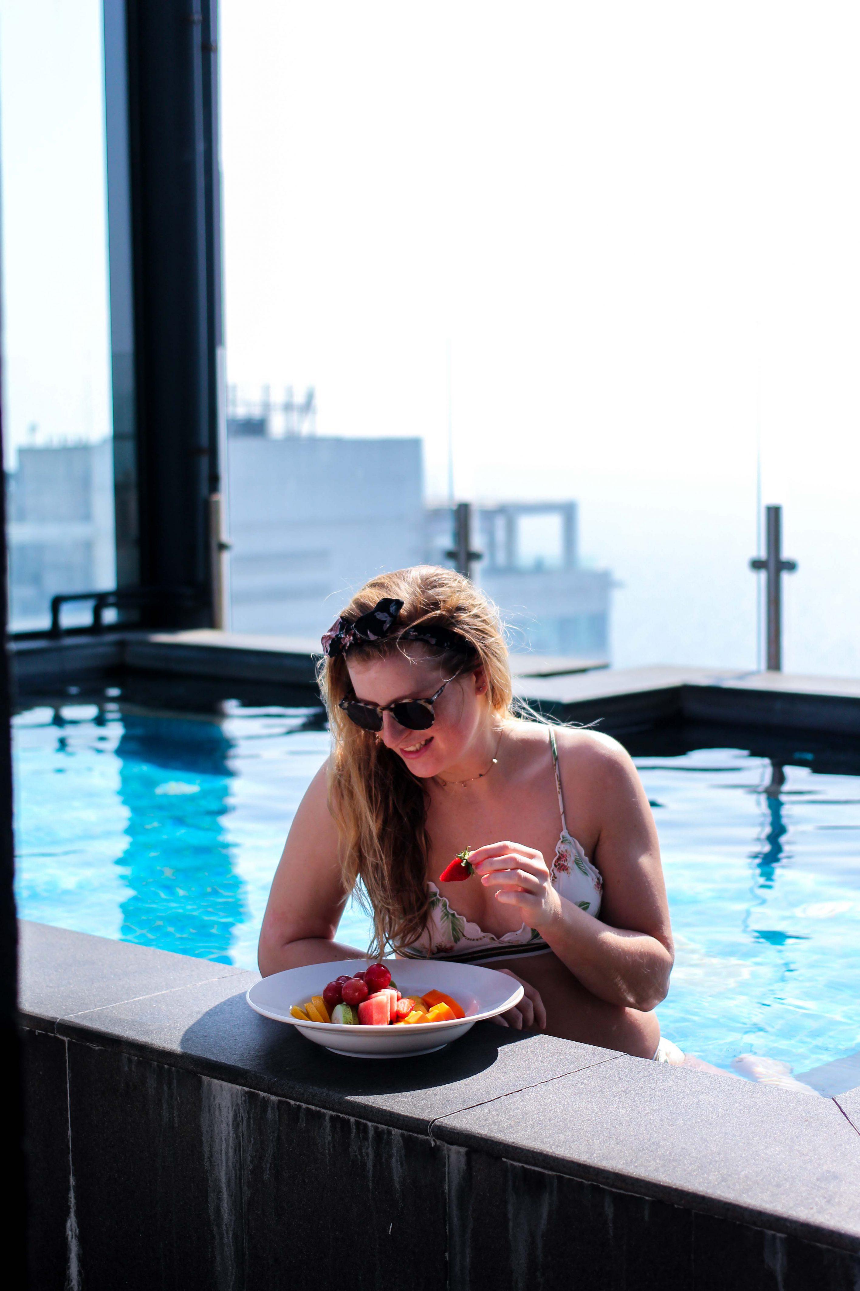 Mövenpick Colombo Hotel Reiseblog Whirlpool Brinisfashionbook Infinity Pool Colombo bestes Hotel Sri Lanka