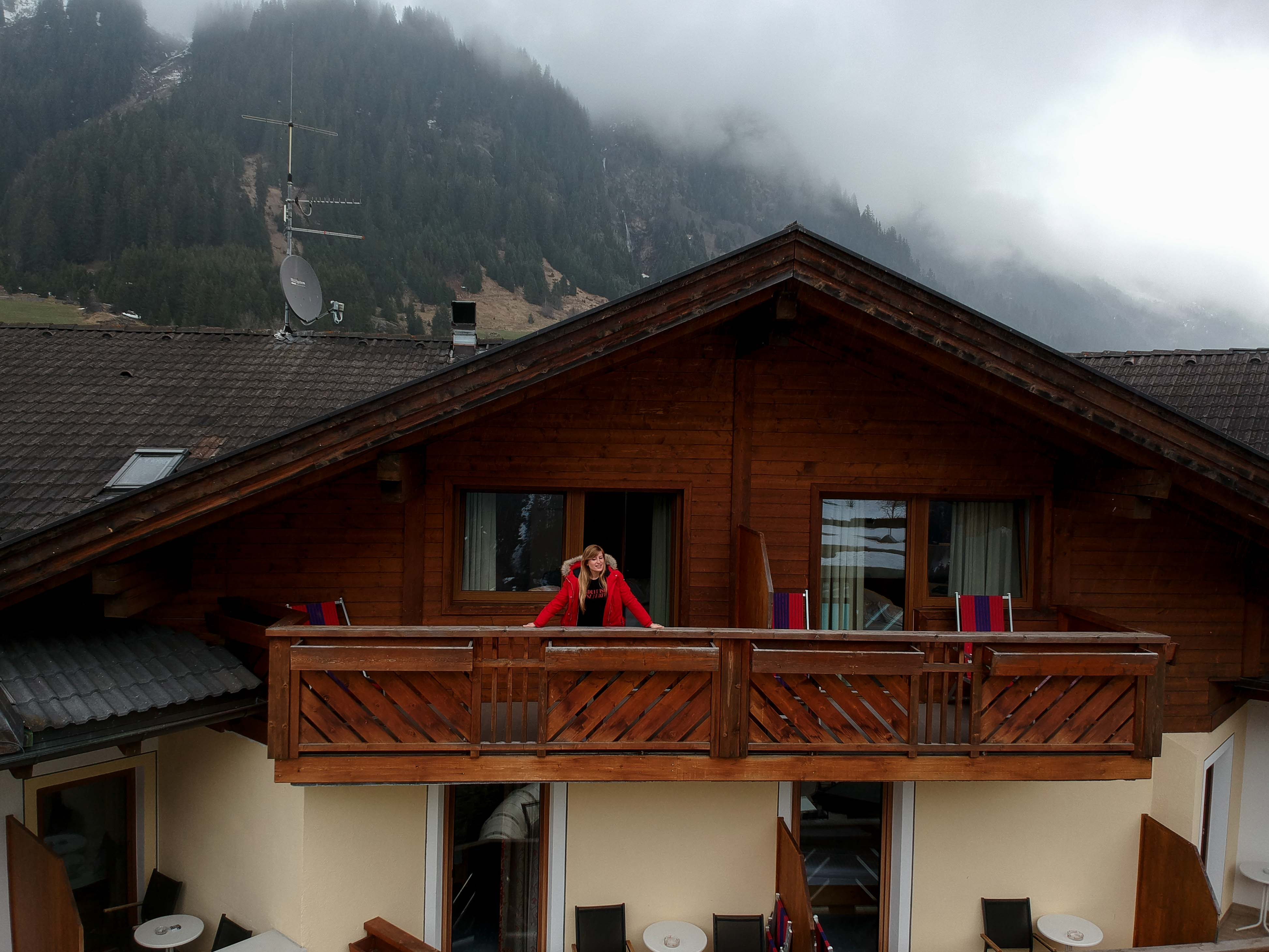Südtirol-Hotel-Schneeberg-Italien-Wellnesshotel-Reiseblog-Wellnessurlaub-Kurzurlaub-Hotelempfehlung-Skiurlaub-Winterurlaub-Balkon-Berge
