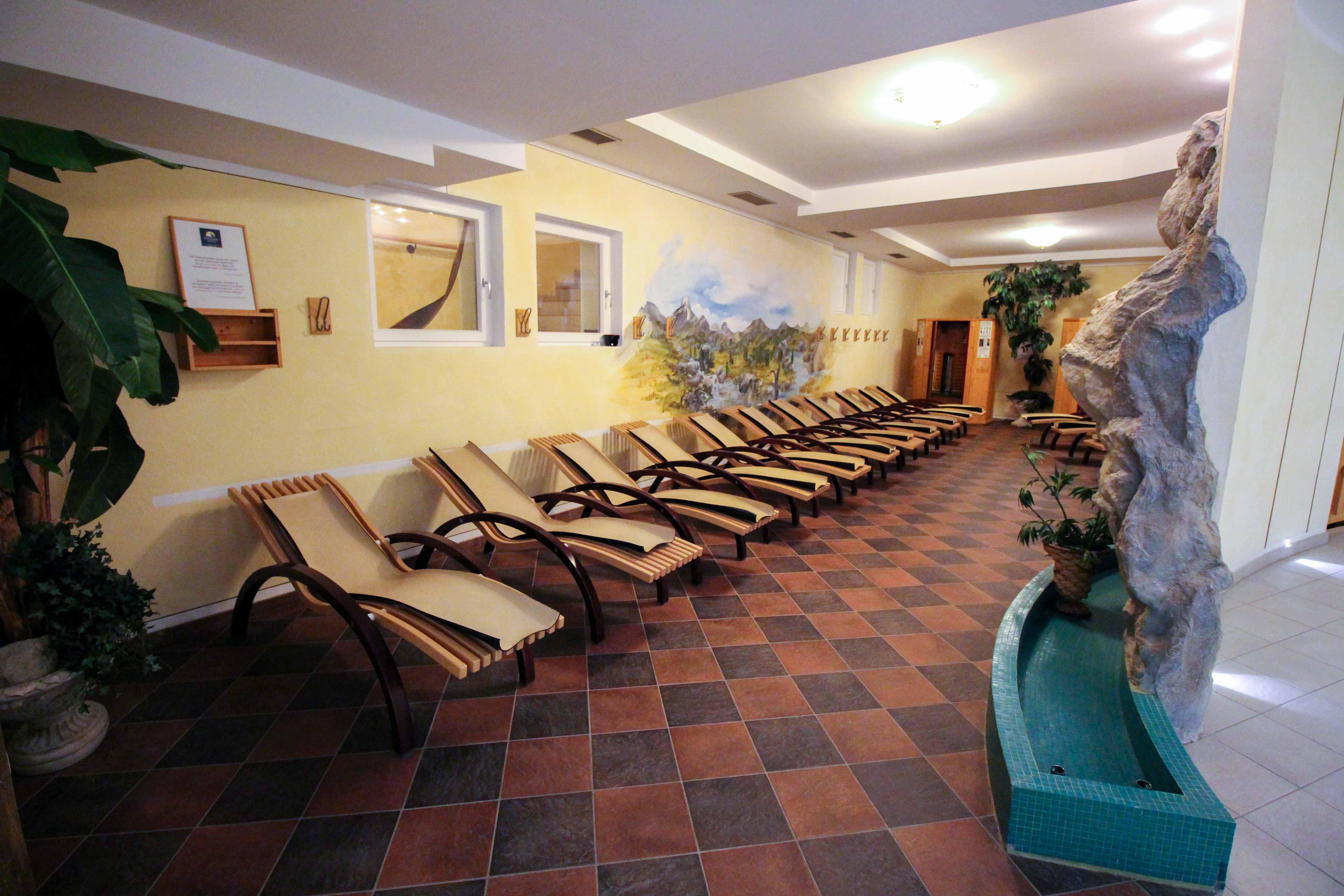 Südtirol Hotel Schneeberg Resort Spa Wellnessbereich Ruheraum Italien Wellnesshotel Reiseblog Wellnessurlaub Kurzurlaub Hotelempfehlung Skiurlaub