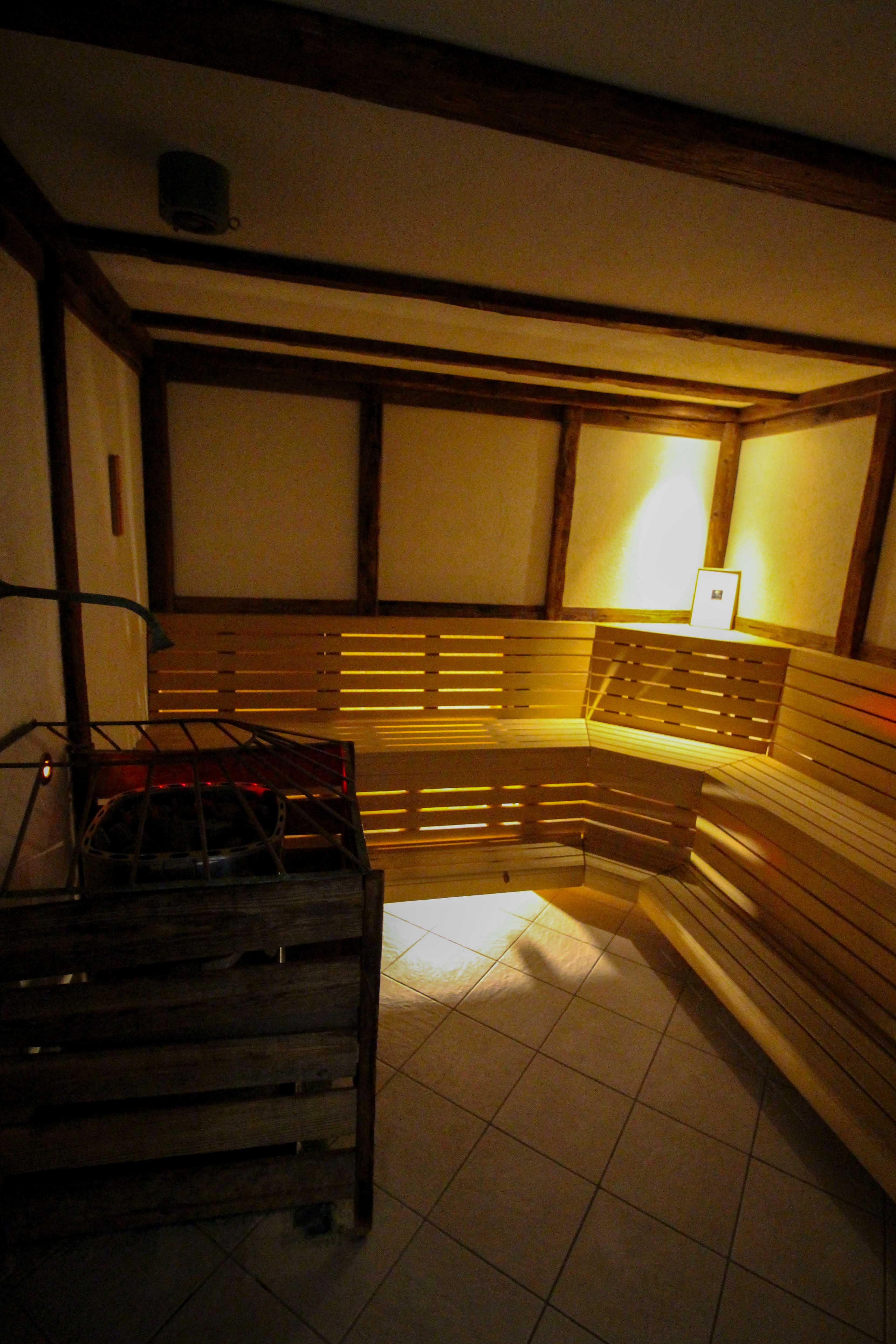 Südtirol Hotel Schneeberg Resort Spa Wellnessbereich Sauna Italien Wellnesshotel Reiseblog Wellnessurlaub Kurzurlaub Hotelempfehlung Skiurlaub