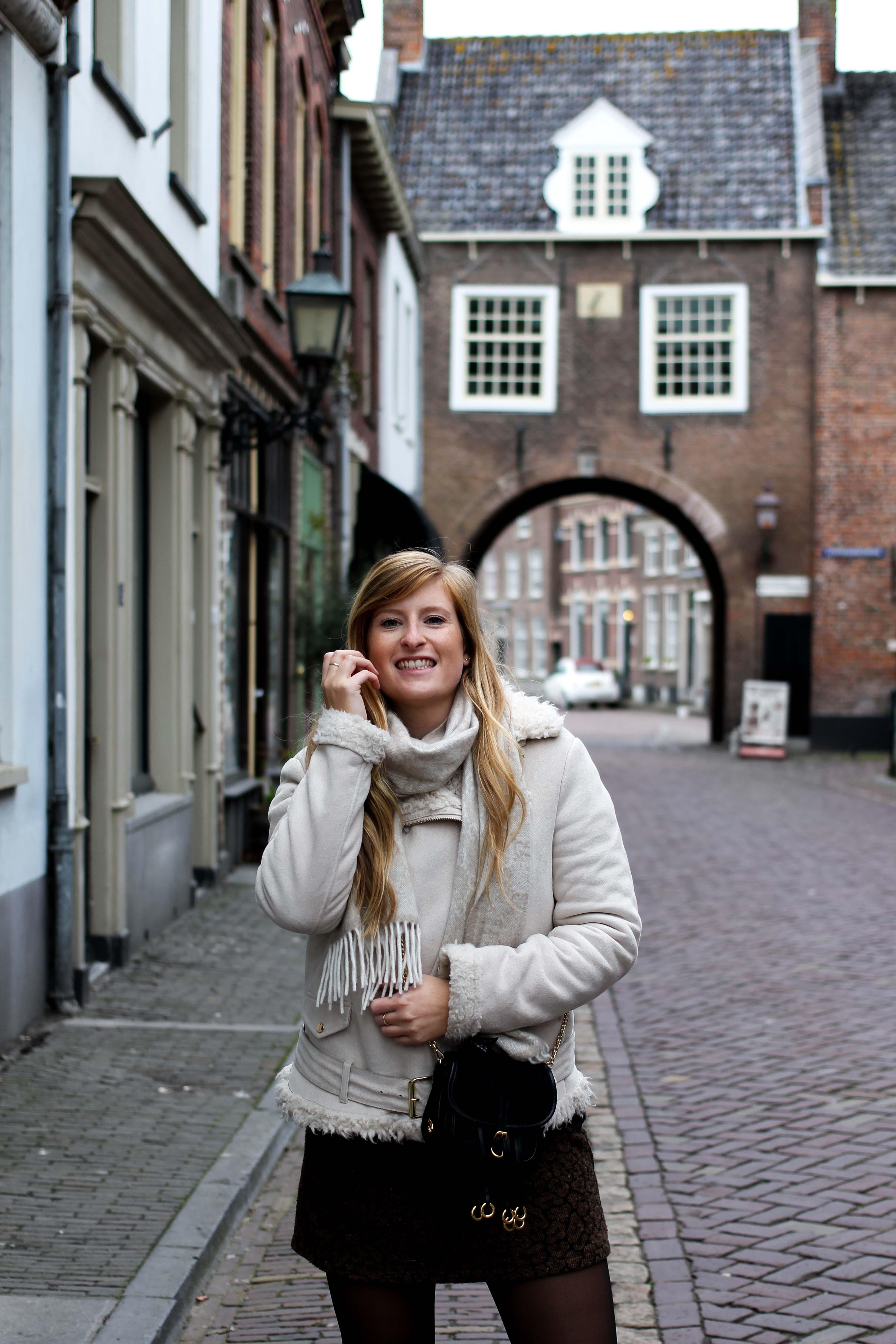 Wochenendtrip Holland Streetstyle Outfit Innenstadt Altstadt das andere Holland Reiseblog Ausflug von Deutschland