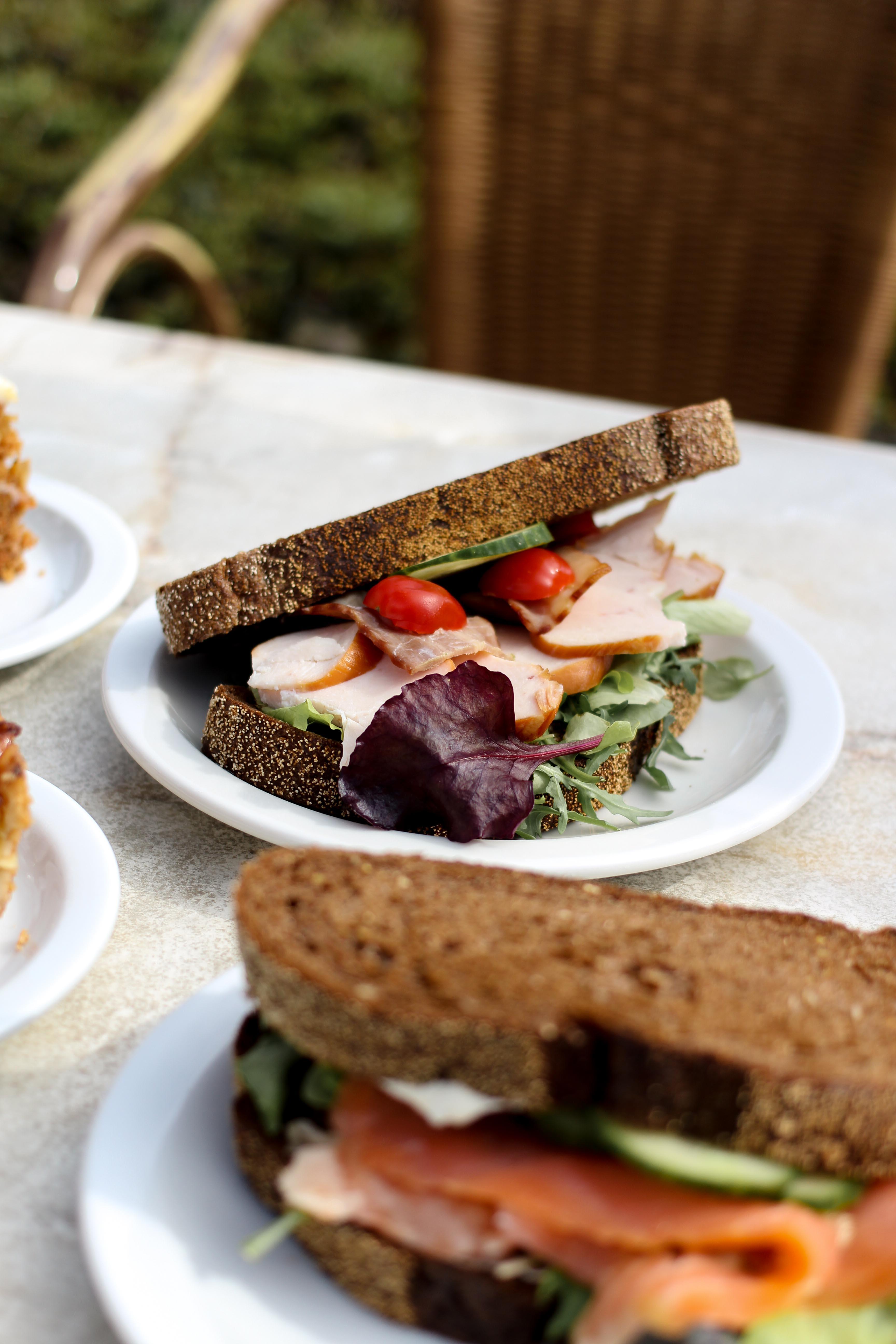 die Gärten von Appeltern Holland Wochenendtrip Tuinen van Appeltern das andere Holland Reiseblog Ausflug Deutschland Bistro Restaurant Sandwich lachs