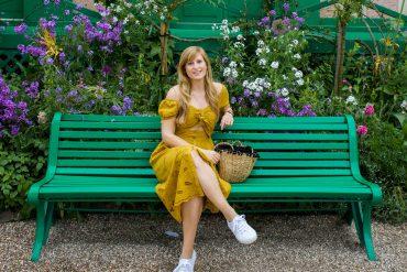 Sommerkleid Cut Outs Zara senfgelb Sommeroutfit Urlaub Normandie was tragen Giverny Monets Garten Modeblog