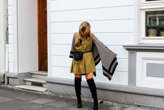 Overknees Gürteltasche Prada Poncho Second-Hand Kleidung kombinieren Streetstyle Outfit Bonn Zara Kleid grün Frühling 2019
