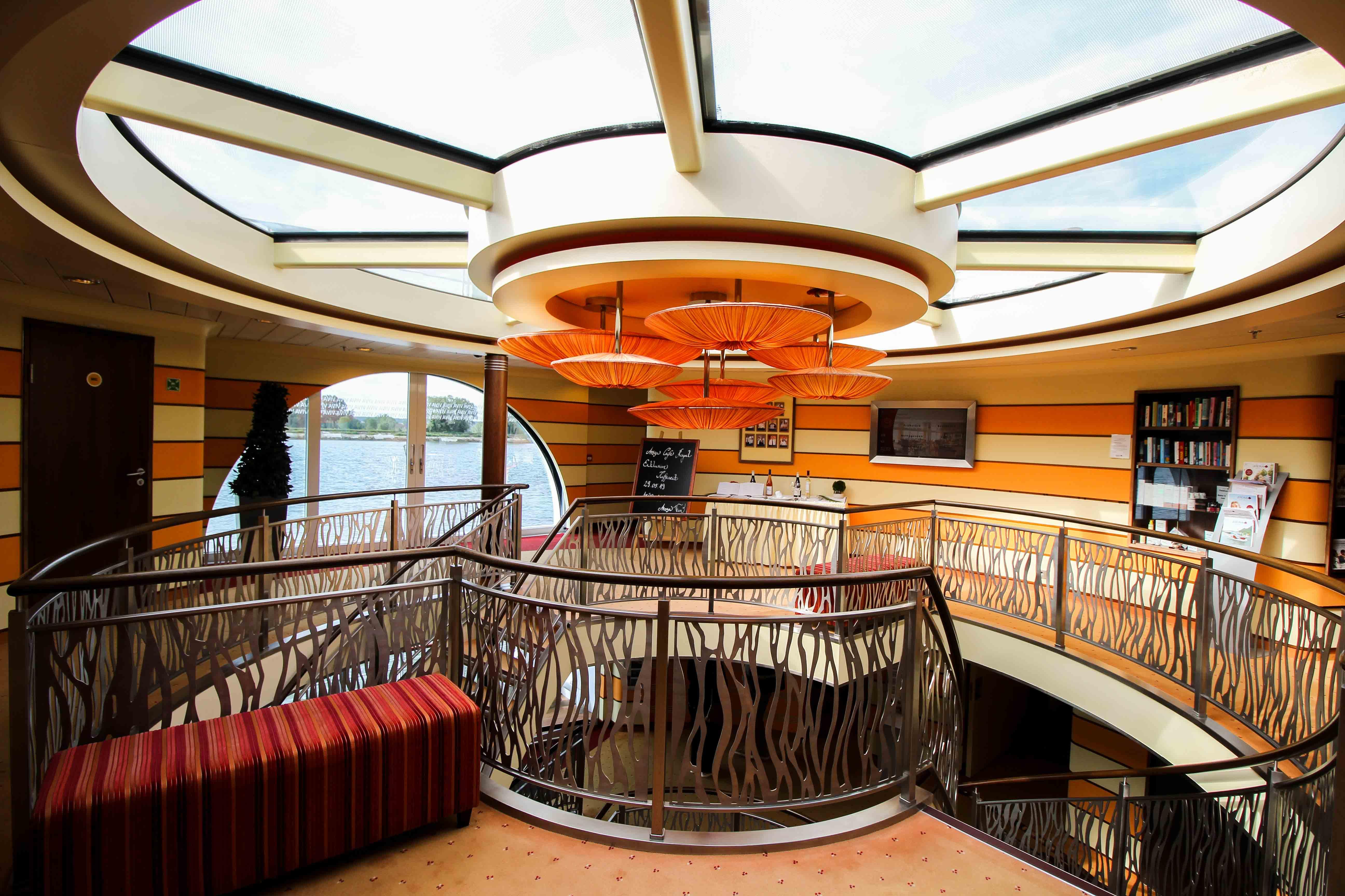AROSA VIVA Kreuzfahrtschiff Eingang Empfang Erfahrungen Seine Flusskreuzfahrt