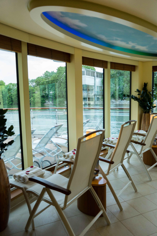 AROSA VIVA Seine Flusskreuzfahrt Kreuzfahrtschiff Wellnessbereich Panoramablick Ruheraum