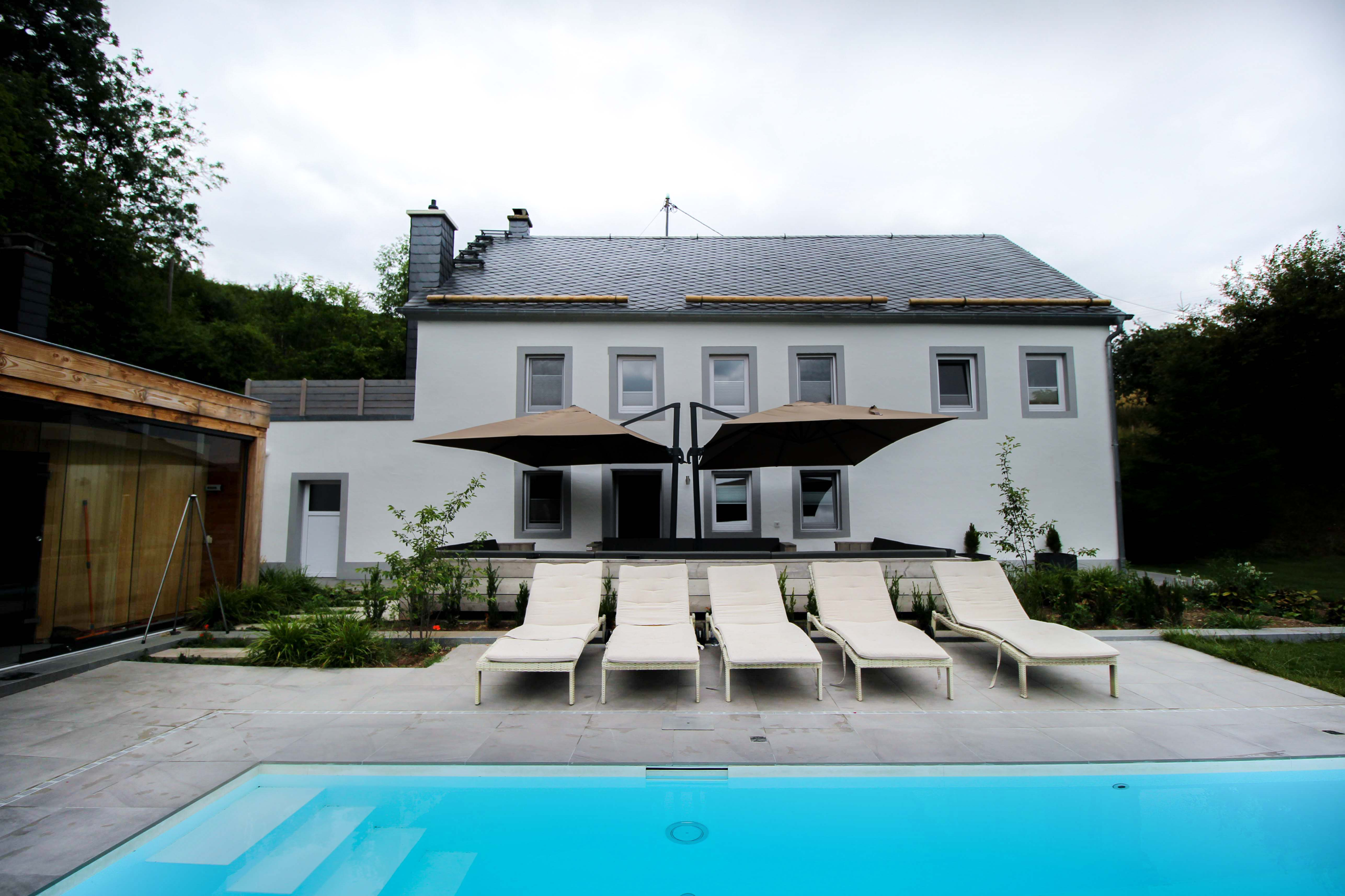 Geburtstagsfeier Location Villa Eifel Deutschland besondere Location JGA Villa mieten Muxerath Villa Steinshof Hasenhof Pool 4
