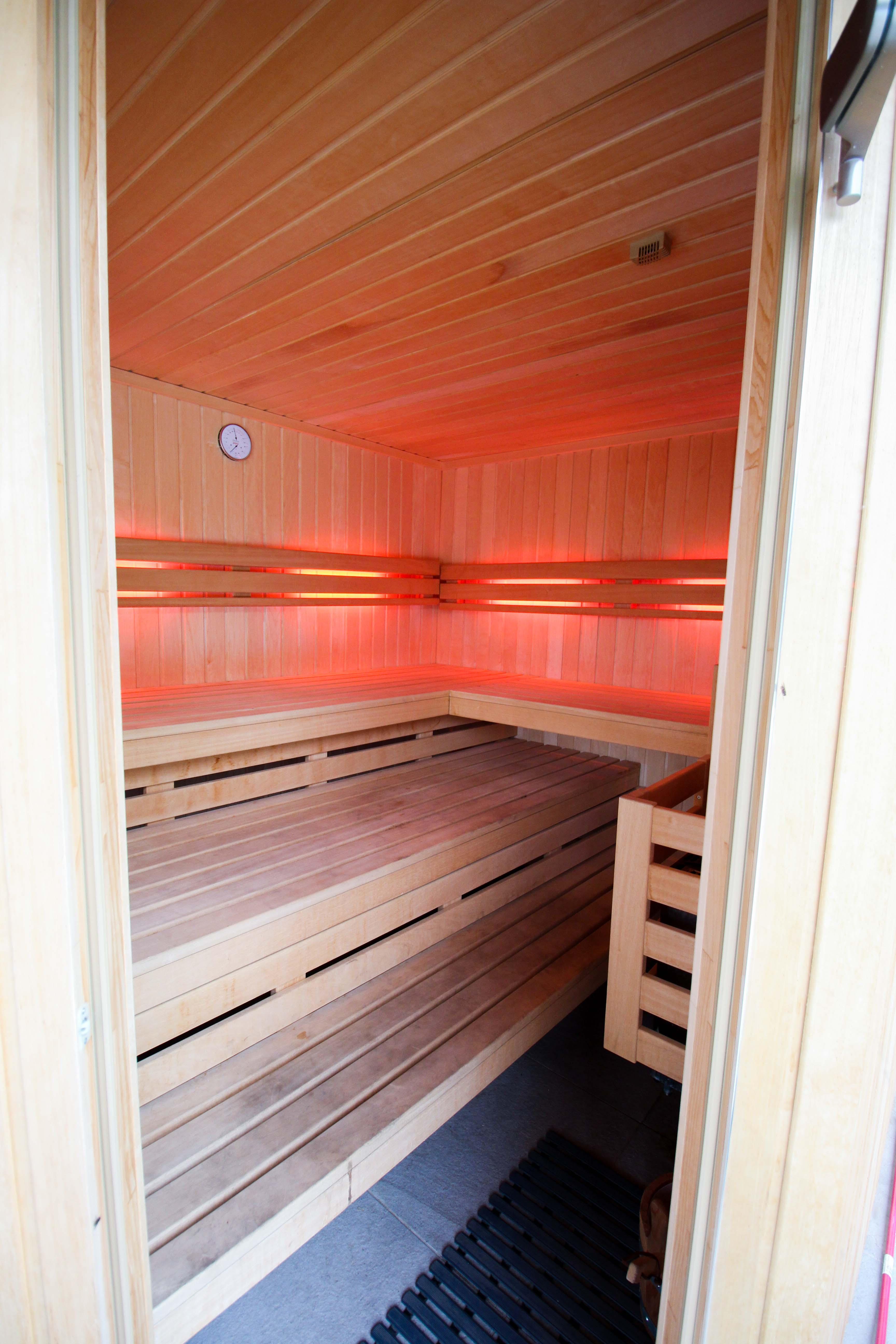 Geburtstagsfeier Location Villa Eifel Deutschland besondere Location JGA Villa mieten Muxerath Villa Steinshof Hasenhof private Sauna