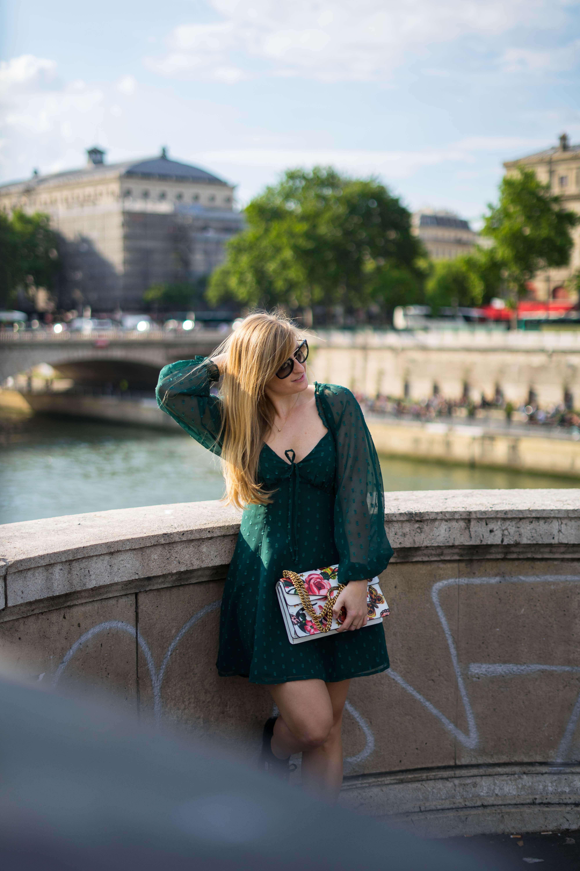 Normandie Rundreise beste Reiseroute Seine Flusskreuzfahrt AROSA Paris Sehenswürdigkeiten Outfit Sightseeing Gucci Dionysus Reiseblog