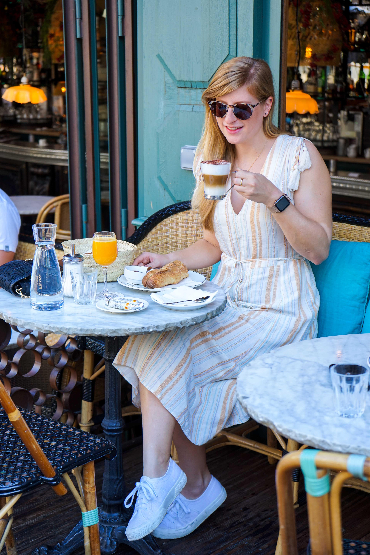 Paris Frühstücken Cafe Baguette Croissant Cappuccino Kaffee Sehenswürdigkeiten Sightseeing Reiseblog