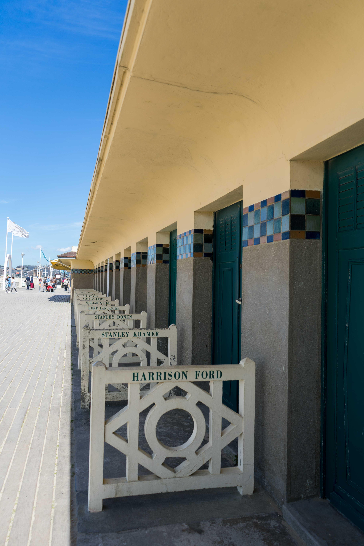 Strand Deauville Promis Tipps Normandie Rundreise beste Reiseroute Seine Flusskreuzfahrt AROSA Sehenswürdigkeiten Sightseeing Reiseblog