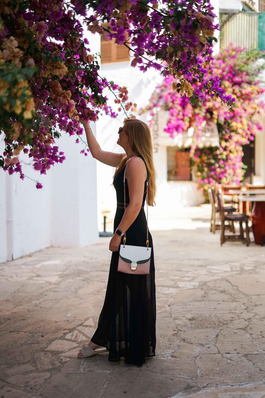 Top 10 Mallorca Instagram Spots Cala D'Or Santorin Blumenlocation Gasse schönste Fotolocations Sehenswürdigkeiten Mallorca 2