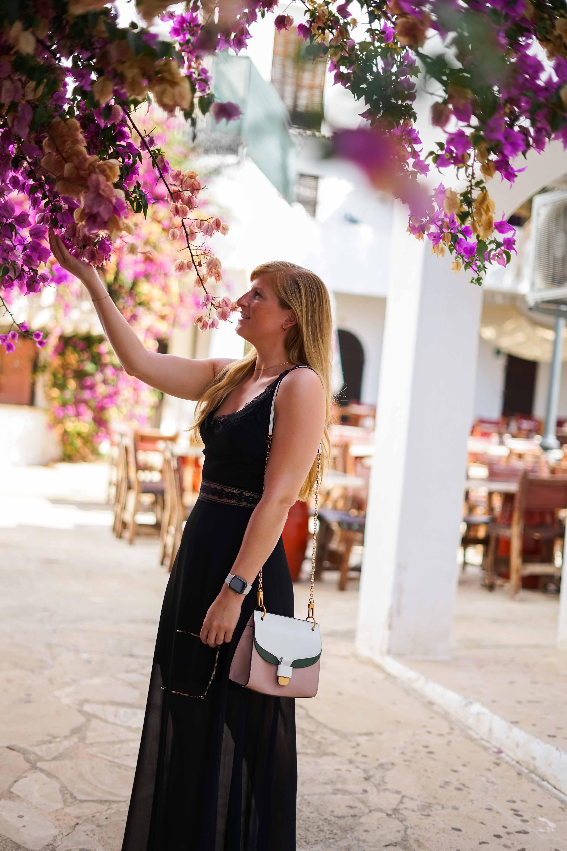 Top 10 Mallorca Instagram Spots Cala D'Or Santorin Blumenlocation Gasse schönste Fotolocations Sehenswürdigkeiten Mallorca 3