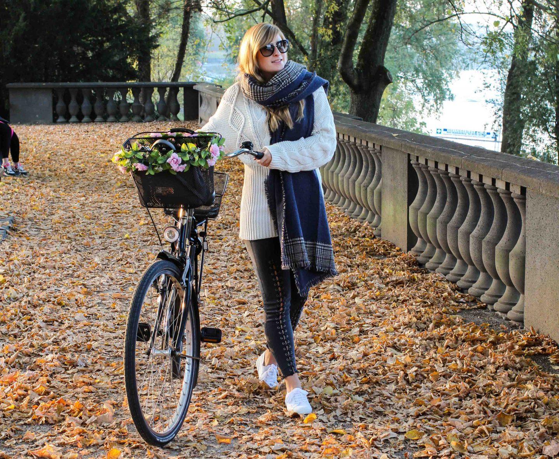 schönste Outfitfotos Herbst Foto Herbstbilder Karo Schal Herbst Must Have Trends 2019 Herbstoutfit 5