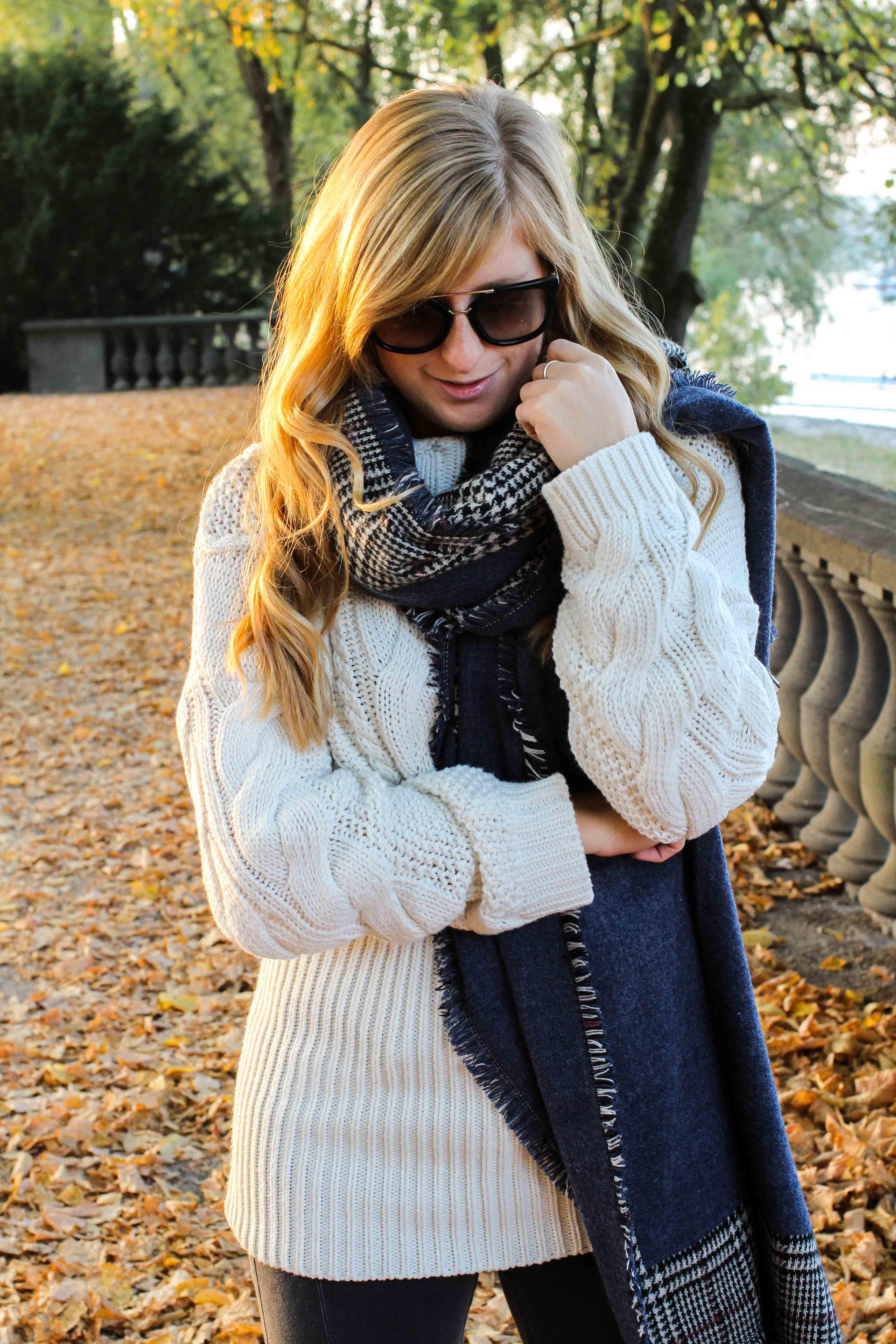 schönste Outfitfotos Herbst Foto Herbstbilder Karo Schal Herbst Must Have Trends 2019 Herbstoutfit 9