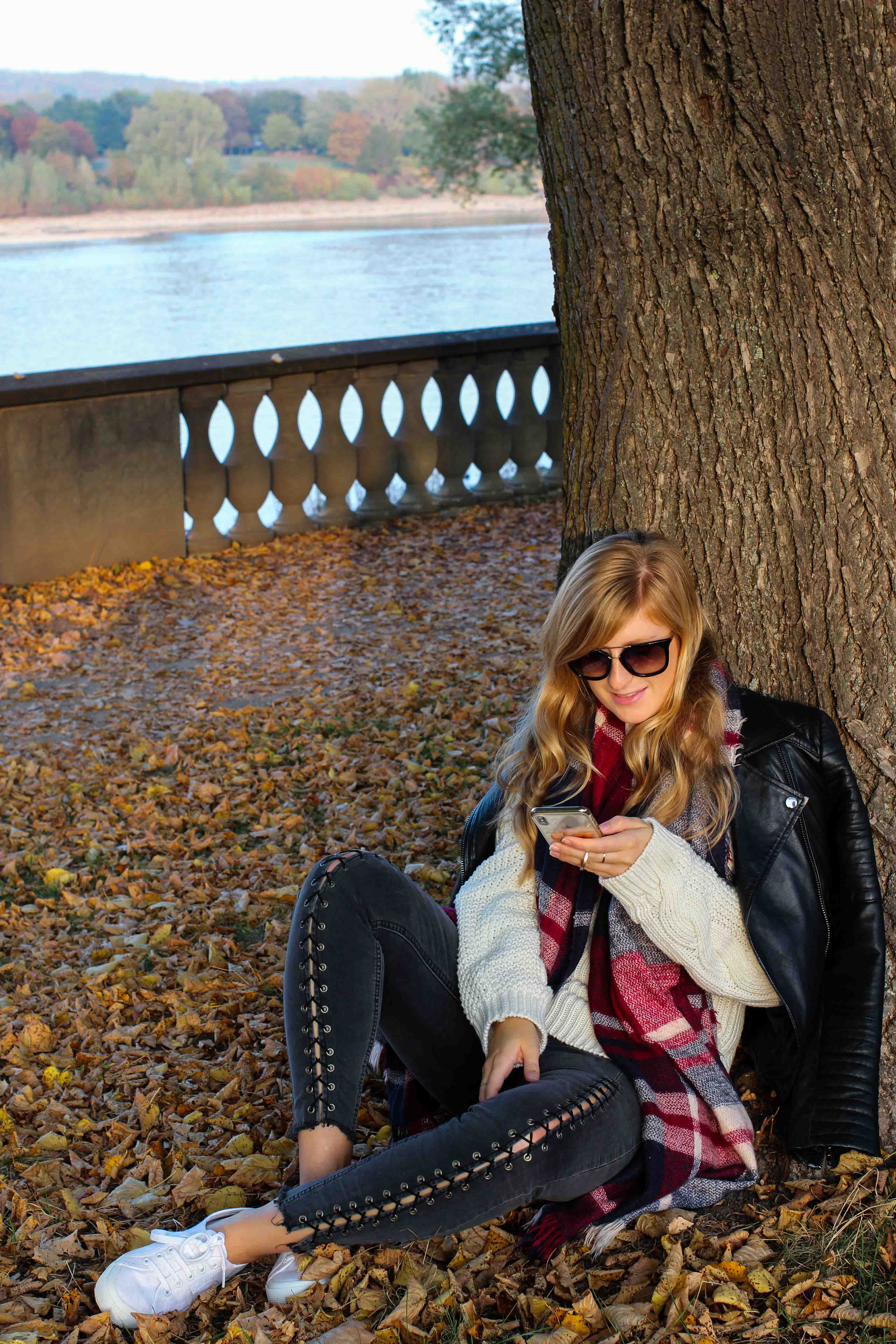 schönste Outfitfotos Herbst Foto Herbstbilder Karo Schal Herbst Must Have Trends 2019 Herbstoutfit