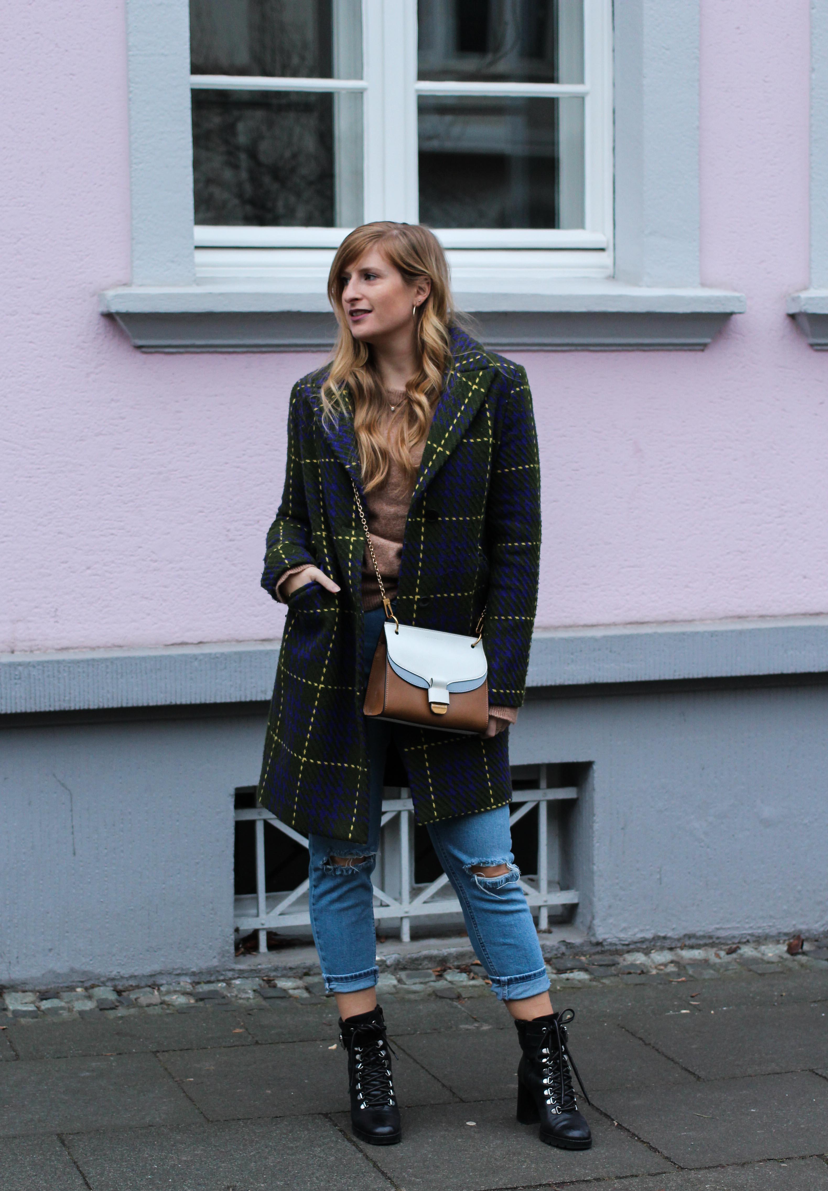 Herbst Must-Have 2019 Karomantel. Herbstmode Herbsttrend Mantel karriert Modeblog Outfit Herbst Fashion Blog Bonn 1
