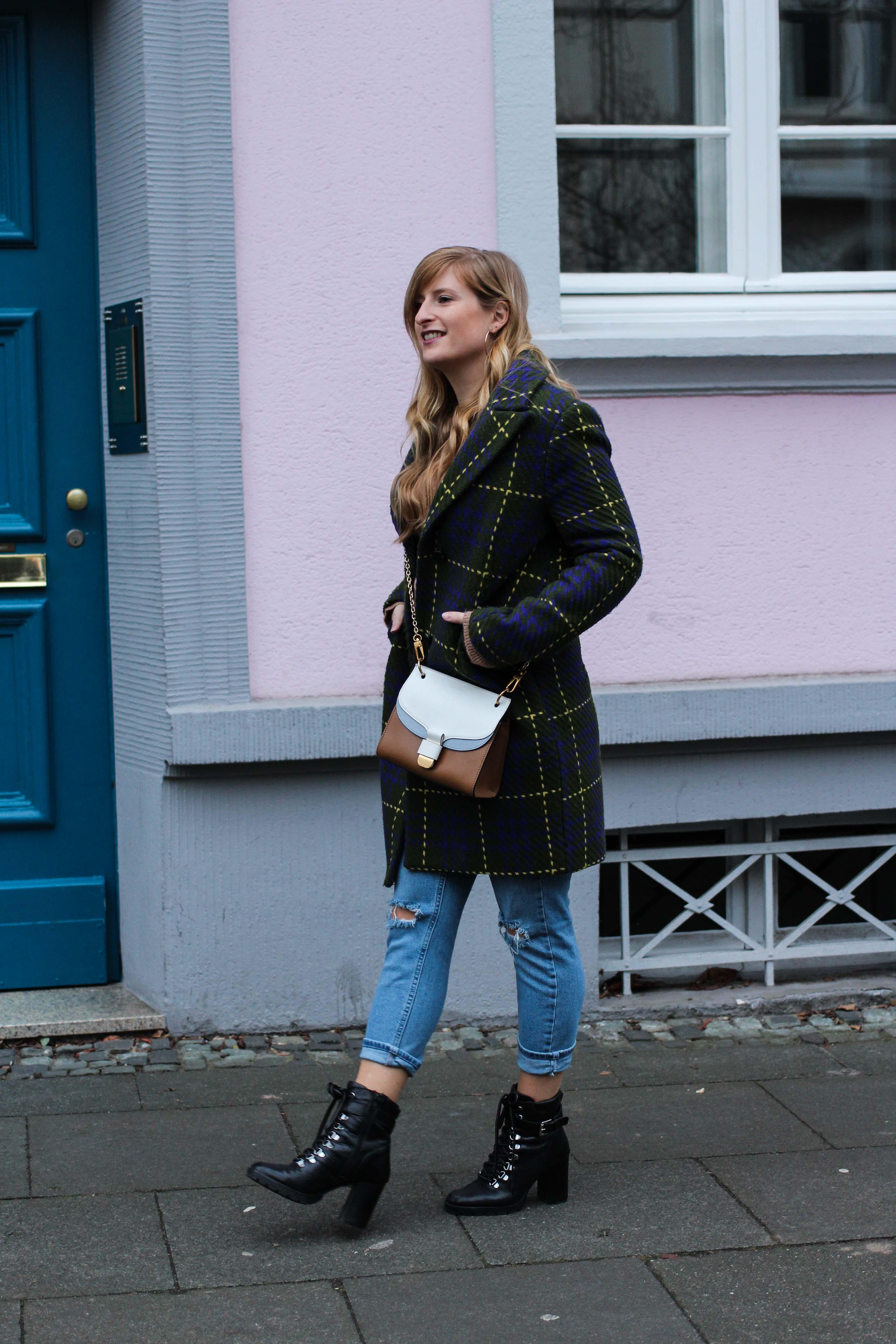 Herbst Must-Have 2019 Karomantel. Herbstmode Herbsttrend Mantel karriert Modeblog Outfit Herbst Fashion Blog Bonn 3