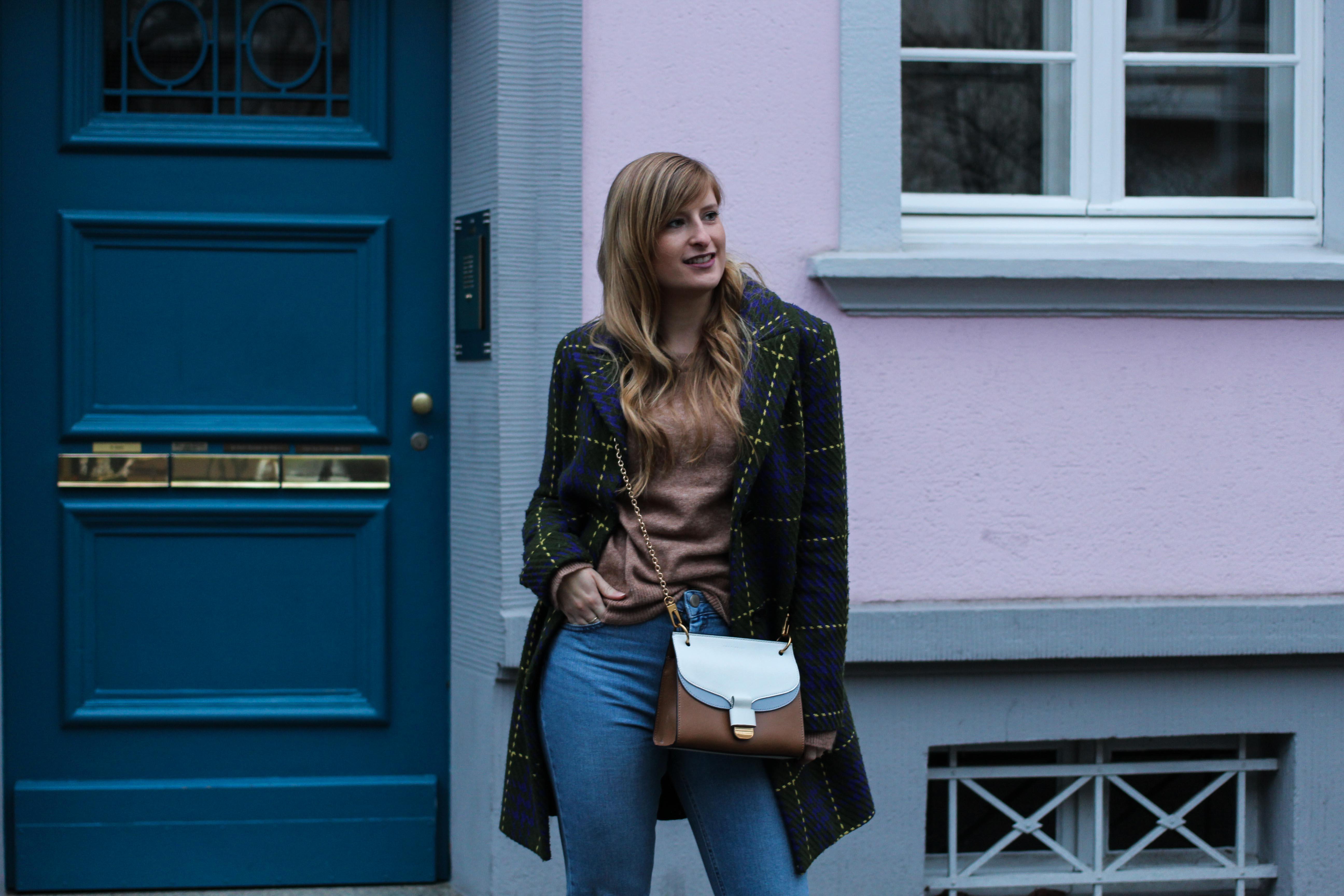 Herbst Must-Have 2019 Karomantel. Herbstmode Herbsttrend Mantel karriert Modeblog Outfit Herbst Fashion Blog Bonn 4
