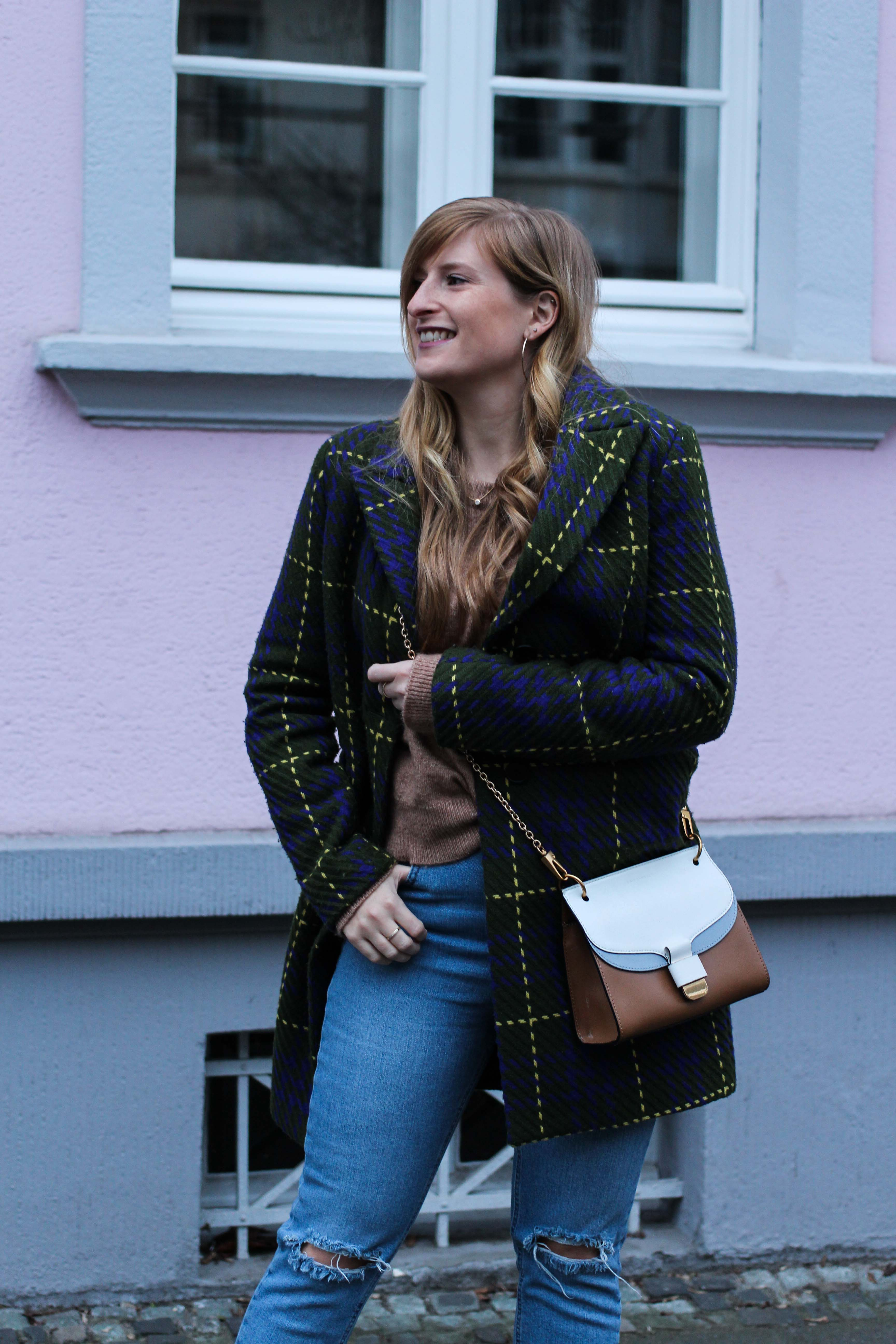 Herbst Must-Have 2019 Karomantel. Herbstmode Herbsttrend Mantel karriert Modeblog Outfit Herbst Fashion Blog Bonn 6