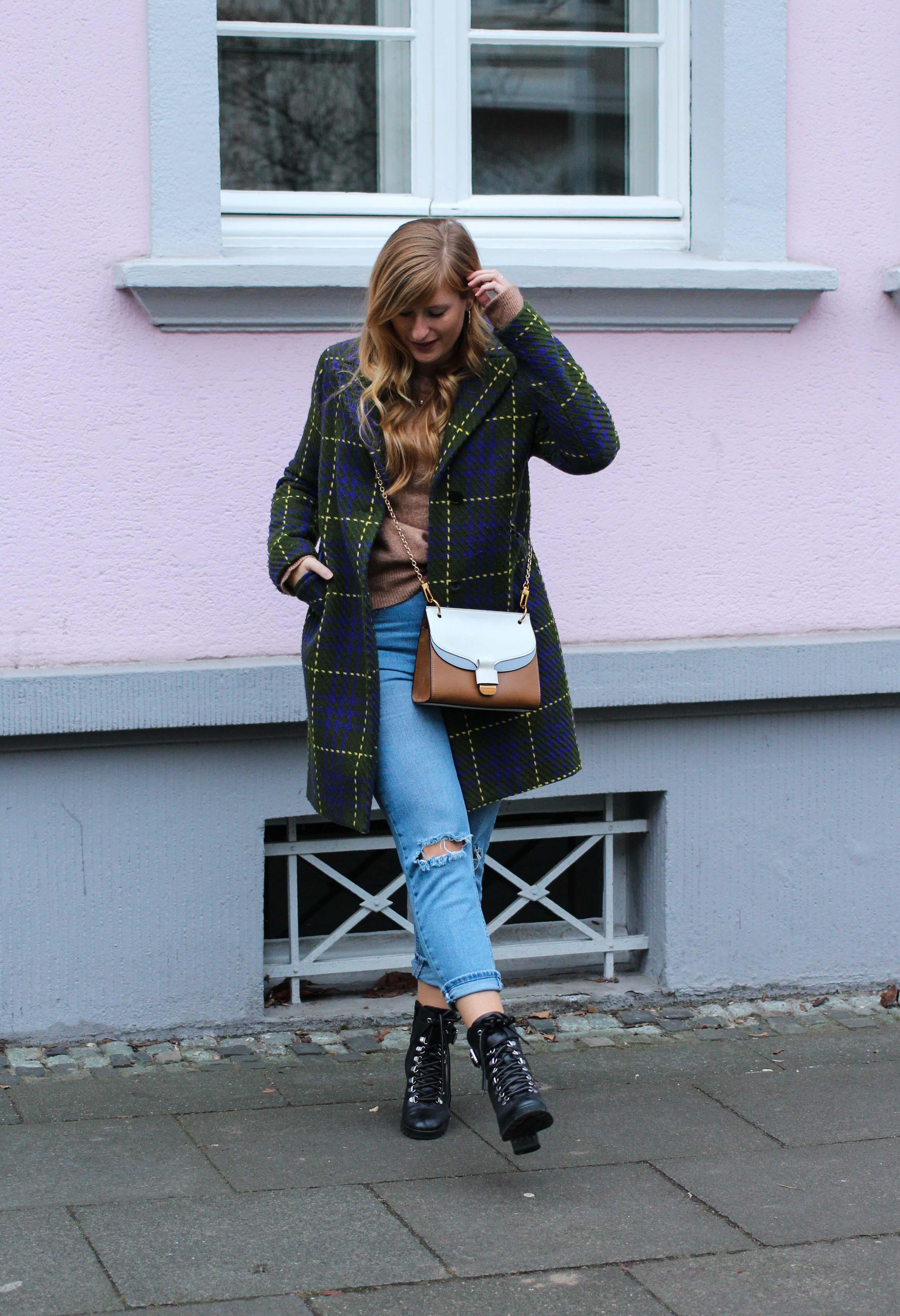 Herbst Must-Have 2019 Karomantel. Herbstmode Herbsttrend Mantel karriert Modeblog Outfit Herbst Fashion Blog Bonn 7