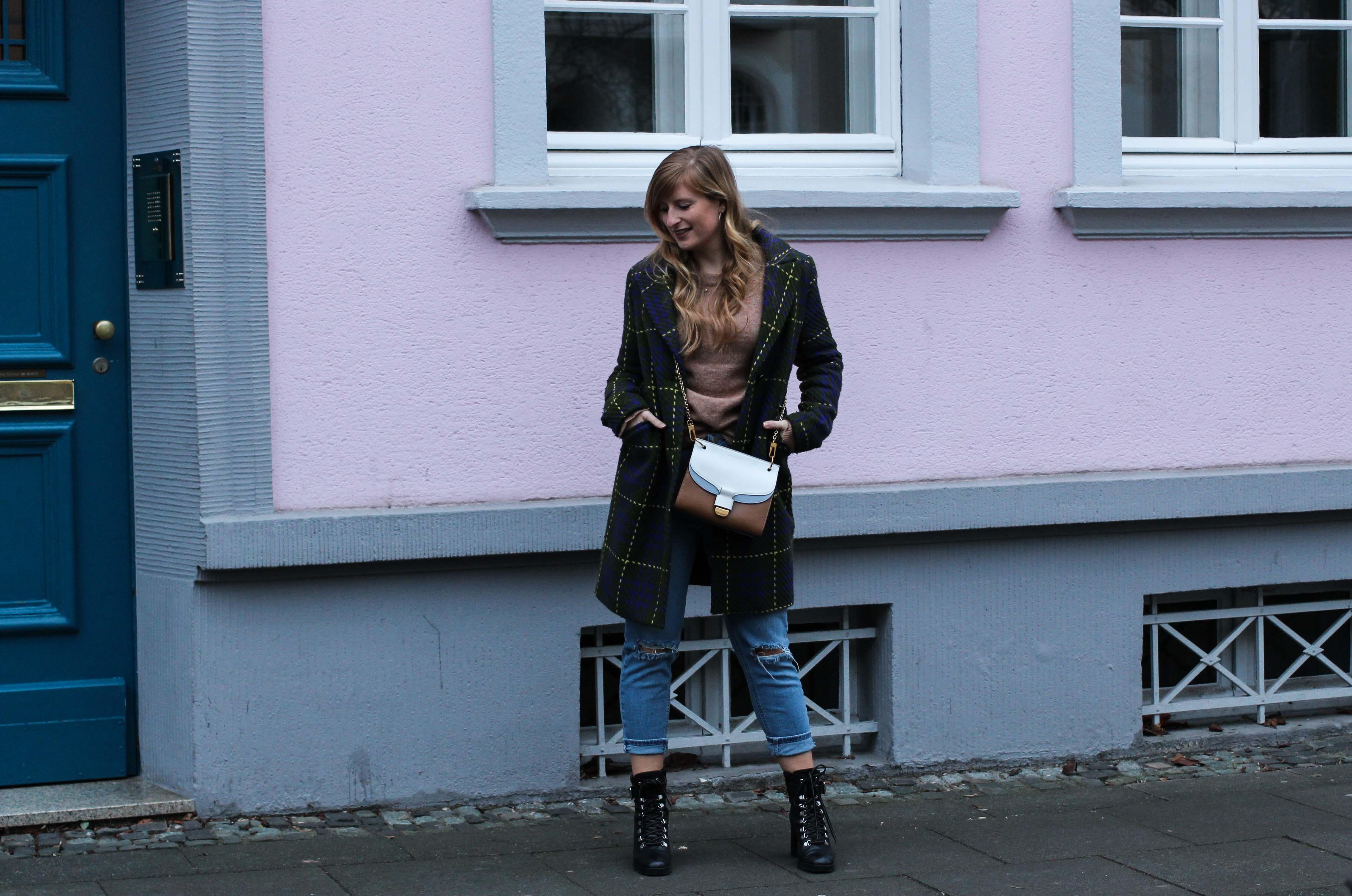 Herbst Must-Have 2019 Karomantel. Herbstmode Herbsttrend Mantel karriert Modeblog Outfit Herbst Fashion Blog Bonn 9