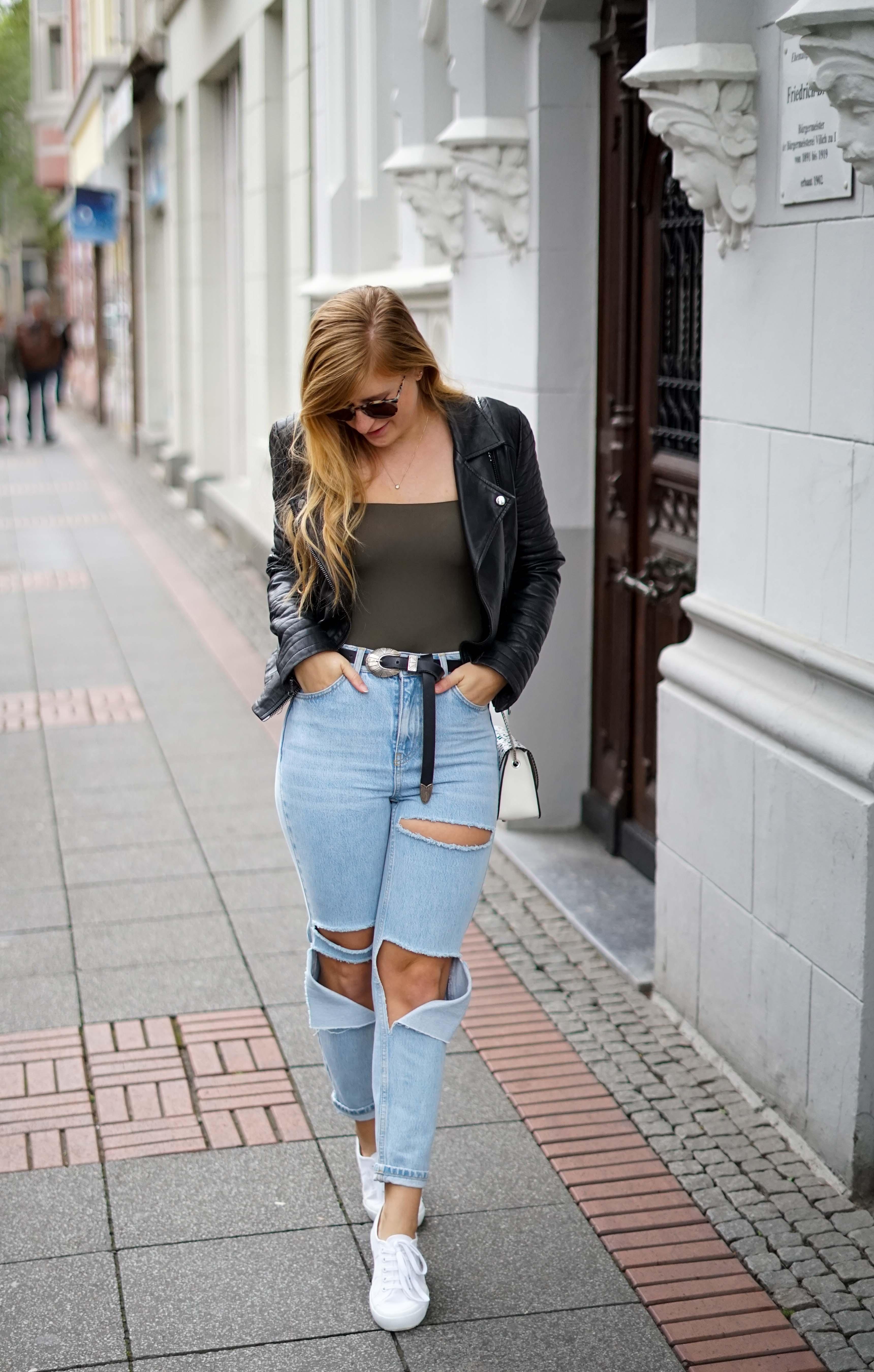 Herbstmode 2019 Herbstoutfit Lederjacke Ripped Jeans Modeblog Bonn 3