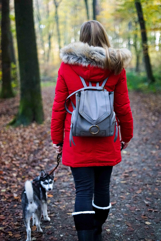 Winterstiefel Trend 2019 Wintertrends Winter Outfit Gummistiefel gefüttert wandern Hund Pomsky Kottenforst Bonn Blog 5