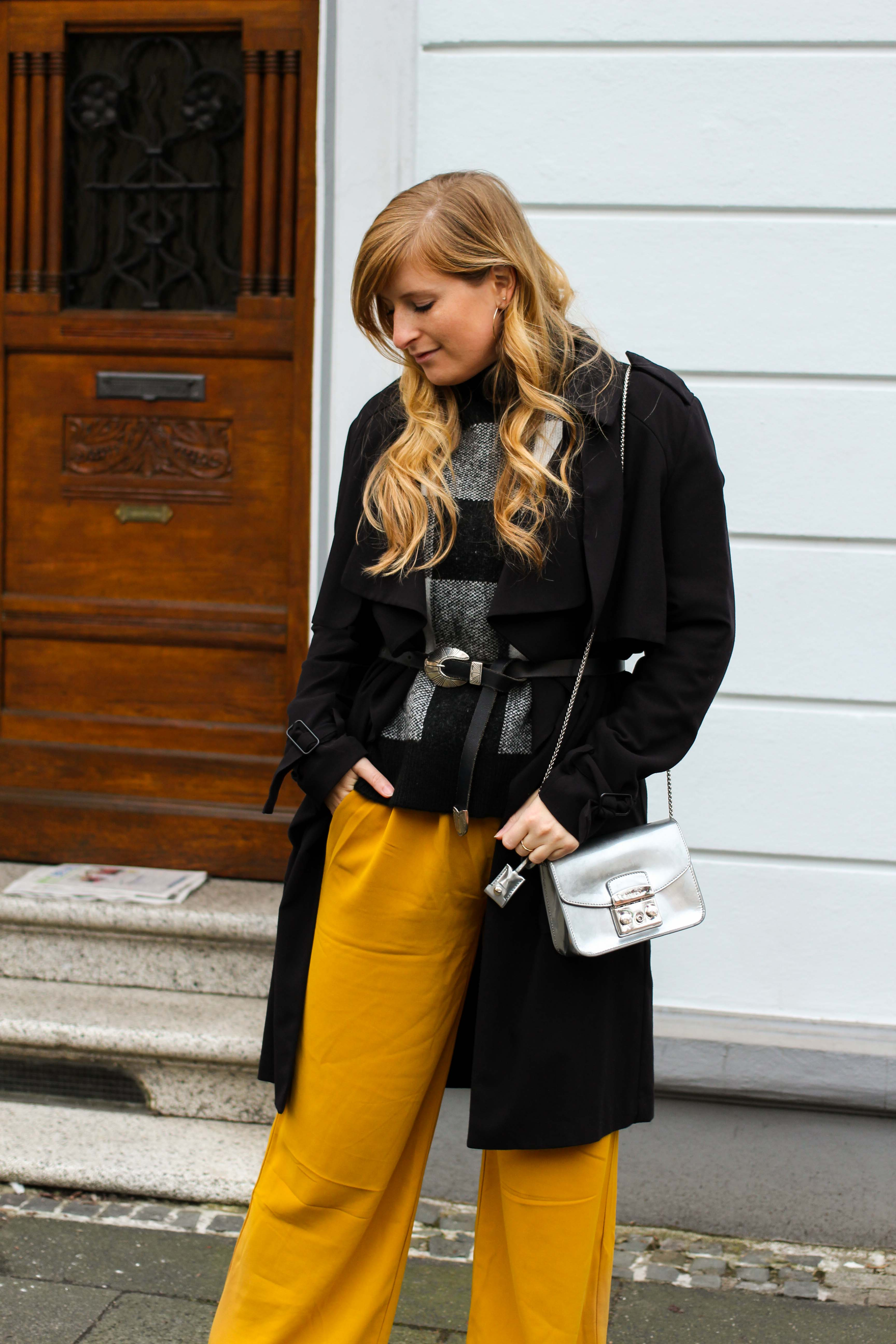 Karo Pullover Wide Leg Pants Gelb Weite Hosen kombinieren Modeblog Outfit Herbst Winter Bonn Blog 92