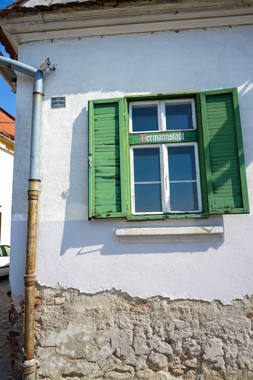 Top 10 Tipps Hermannstadt Sibiu Rumänien Reiseblog Innenstadt Sehenswürdigkeiten bunte Häuser Insider Tipps Brinisfashionbook 3