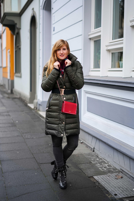 Burberry Winterjacke Grün Modeblog Winter Outfit Bonn Stiefeletten kombinieren 7