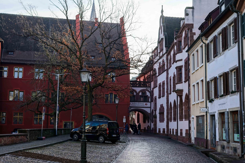 Freiburg Sehenswürdigkeiten Wochenendtrip Freiburg Altstadt altes Rathaus Reiseblog Freiburg Tipps